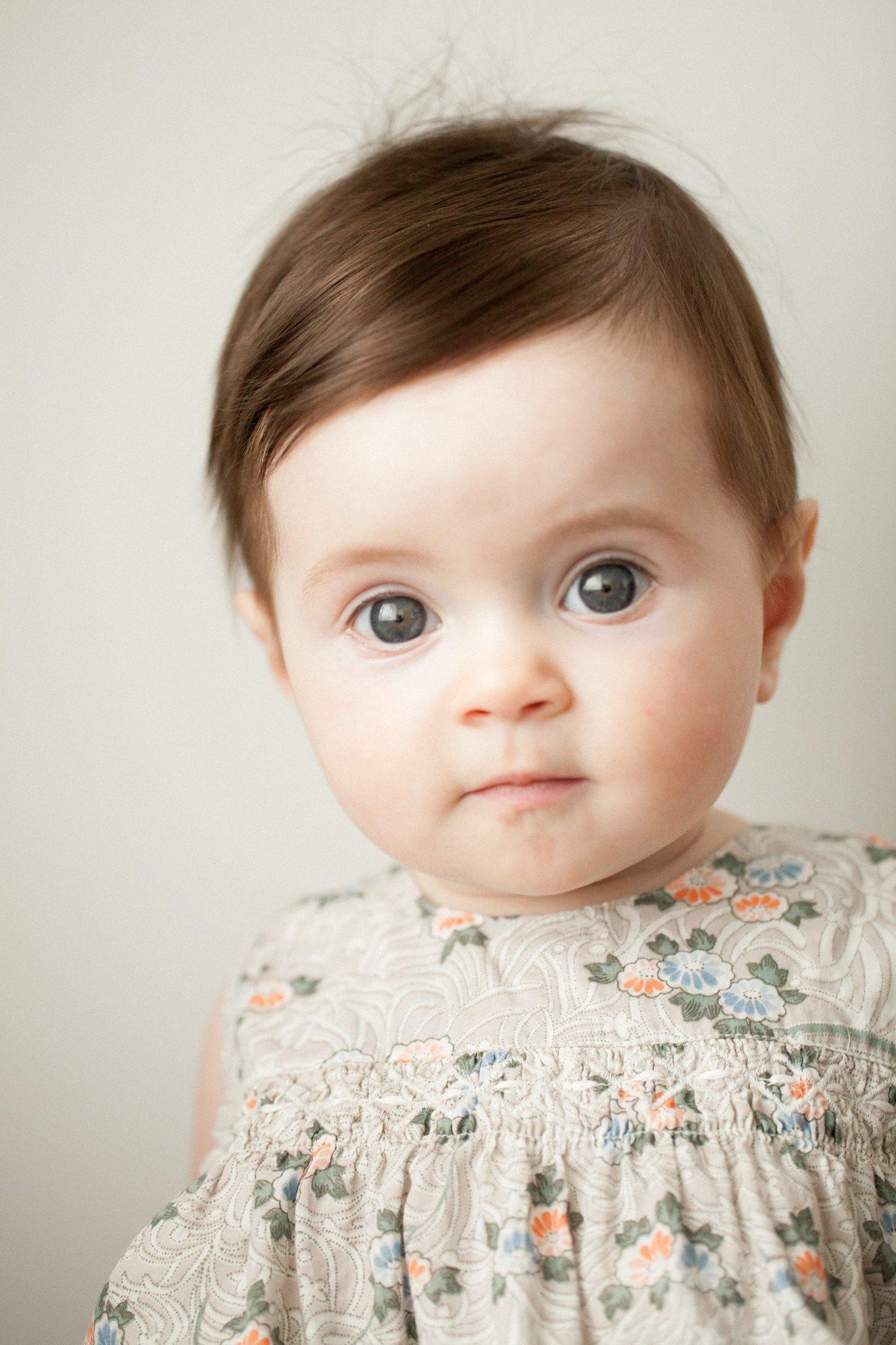 Newborn Photographer, Seattle WA.  Sandra Coan is an award winning maternity, newborn and family photographer