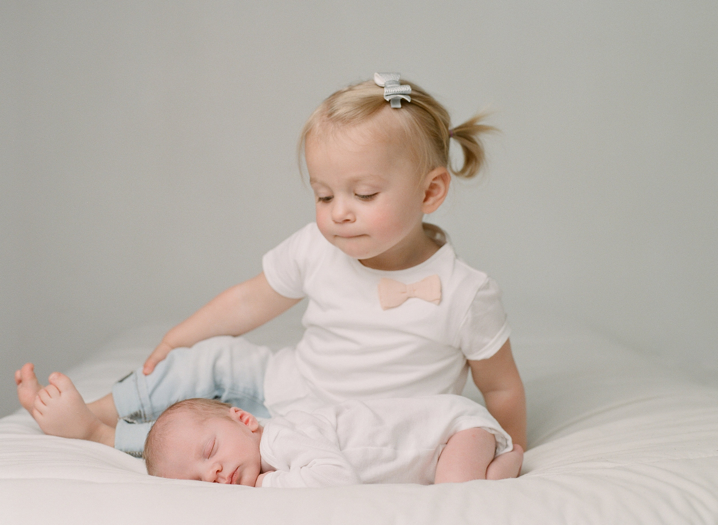 what to wear to your studio session with sandra coan photography seattle baby photographer