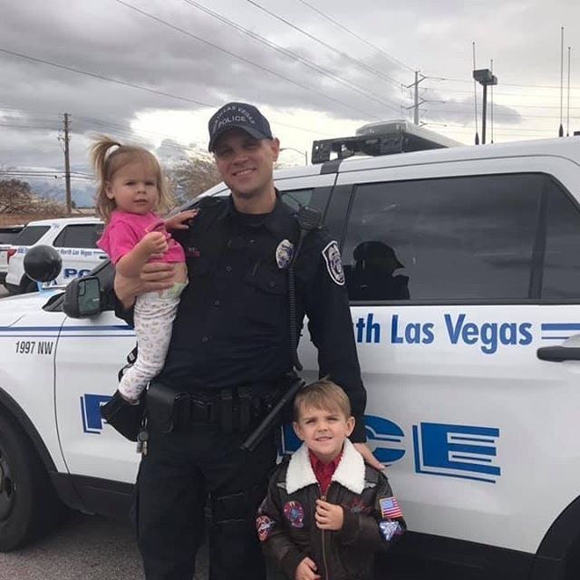 He serves to make a difference in his community. His goal is always to go home to his family and these little faces that await him at the end of every shift. 💙  #nlvpd #police #policekids #policefamily #daddyistheirhero #humanizethebadge #thinblueline