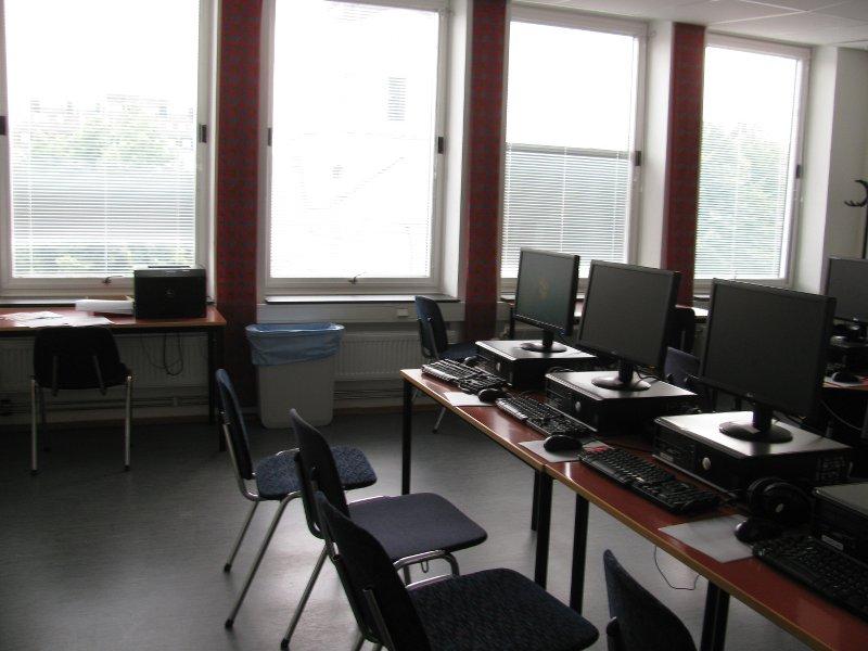Компьютерный класс,как всегда с принтером
