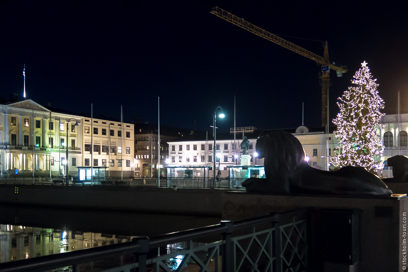 Вечерний вид на главную площадь Гётеборга