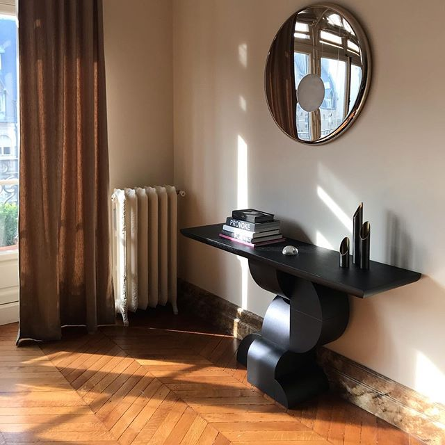 a new favorite by @archimobilier.paris has found a sunny corner chez moi #feelslikehome #console #planetmirror #frenchfurniture #madeinparis #archimobilier #afternoonlight