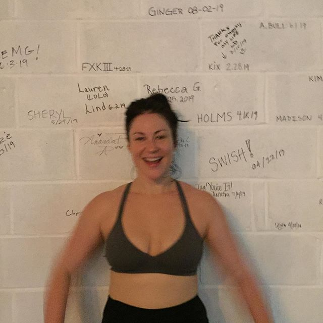 The amazing @gingerkearns finished her #60daychallenge today! Ginger works late night at @sleepnomorenyc and has done like a bagillion challenges! No excuses! Rock on beautiful lady! 💥🎉❤️🙌
