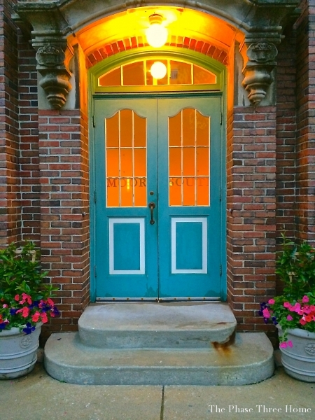 Northgate door, Lake Forest's Market Square