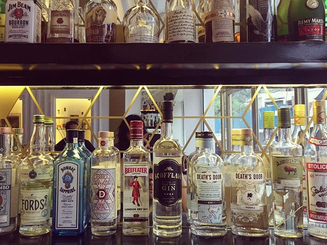 Our #chicago fam finally made its way to #cambodia! @scofflawchicago #oldtomgin #gin