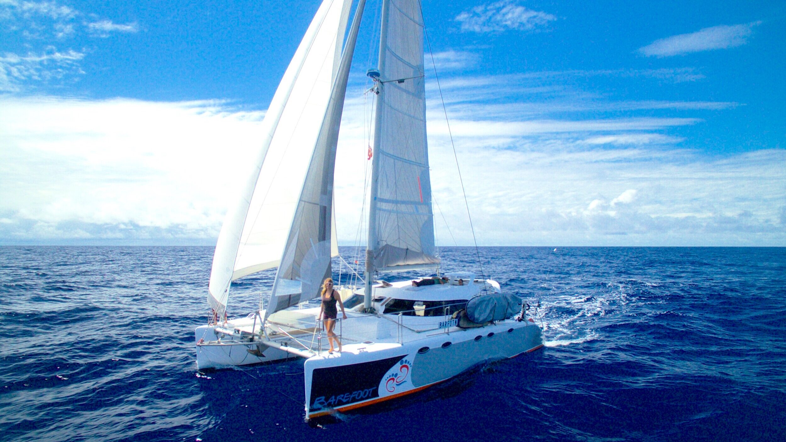 BAREFOOT+Sailing+02.jpg