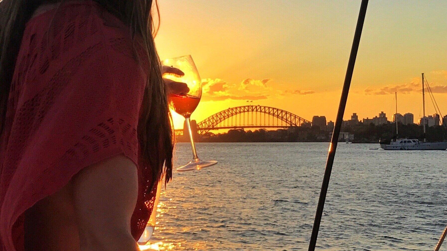 BAREFOOT+Sunset+Glass+of+wine.jpg