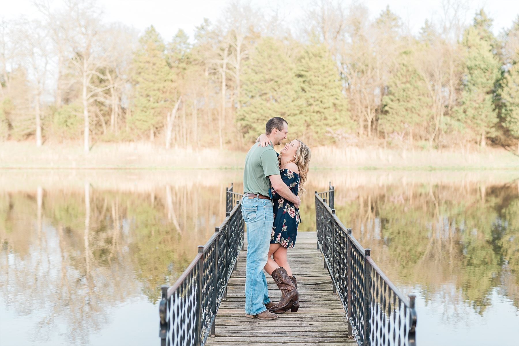 Spring Sunset Farm Engagement Session on Family Farm in Missouri Midwest by Kelsi Kliethermes Photography_0002.jpg