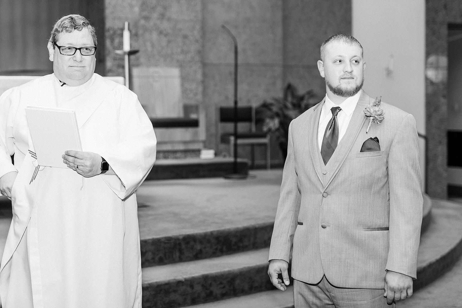 Baurichter Wedding at Stoney Creek Inn Columbia Missouri by Kelsi Kliethermes Photography_0010.jpg