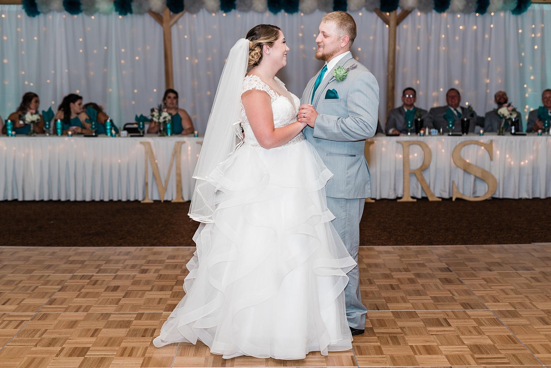 Baurichter Wedding at Stoney Creek Inn Columbia Missouri by Kelsi Kliethermes Photography_0027.jpg