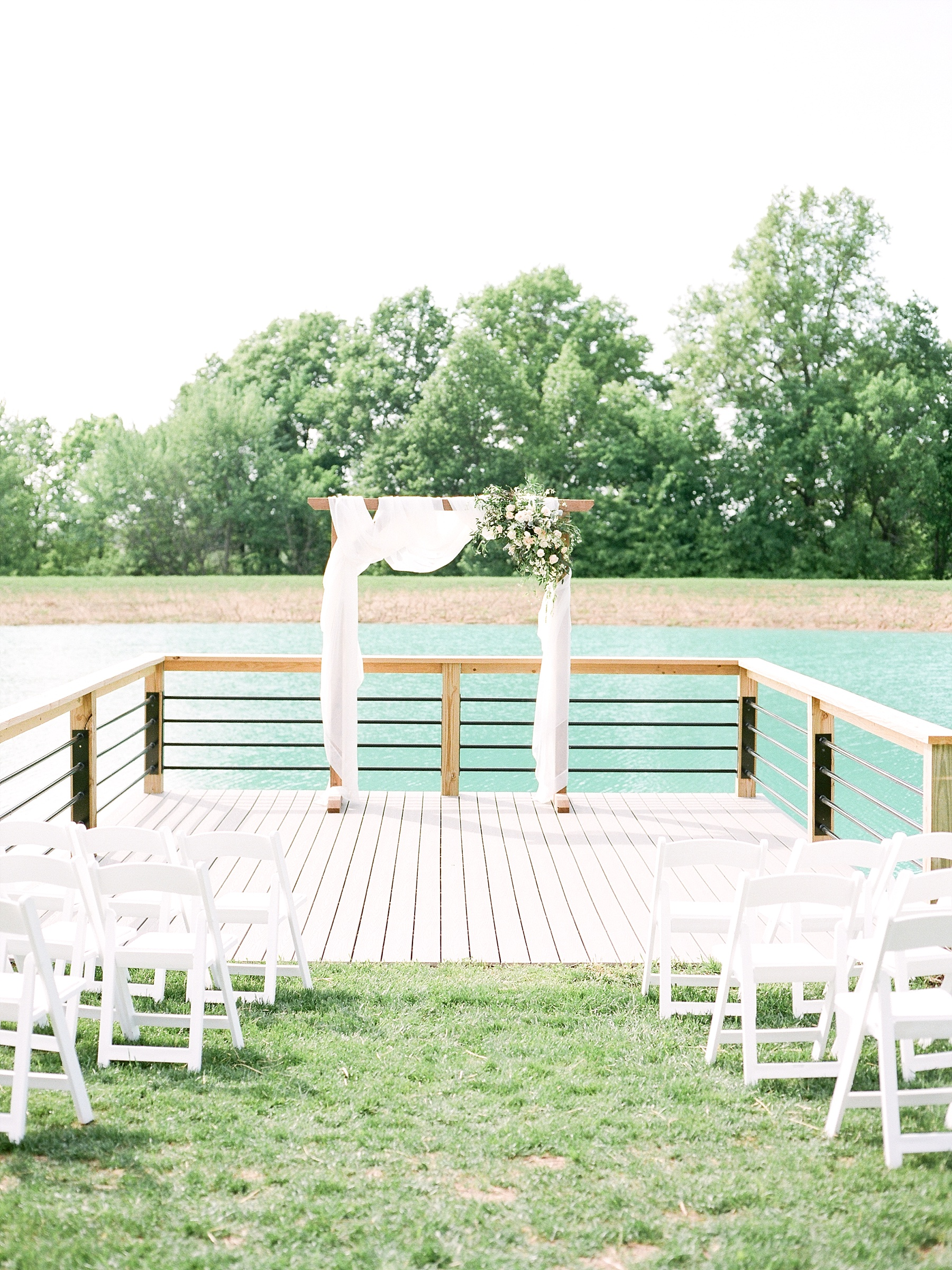 Textural Organic Wedding in All White Venue by Kelsi Kliethermes Wedding Photographer - Missouri, Midwest, and Destinations_0066.jpg