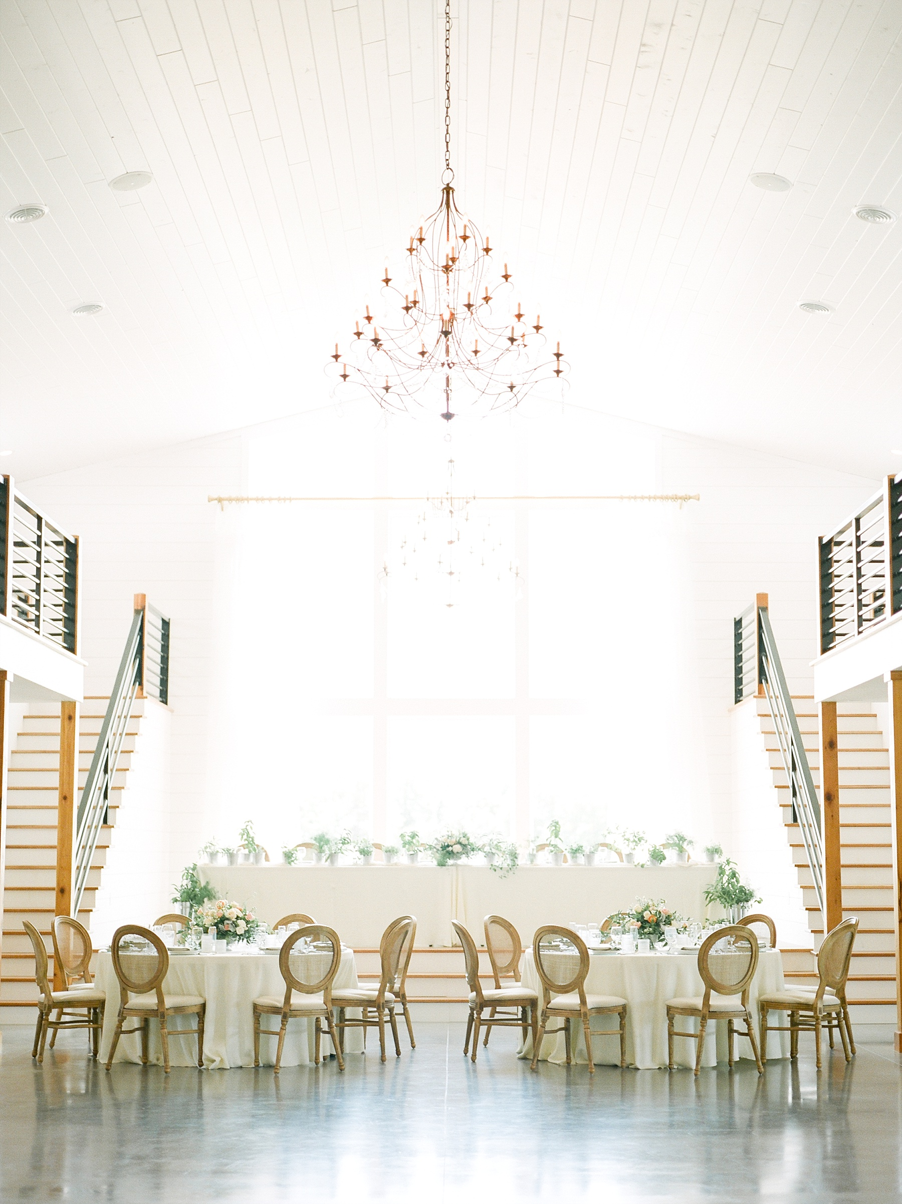 Textural Organic Wedding in All White Venue by Kelsi Kliethermes Wedding Photographer - Missouri, Midwest, and Destinations_0082.jpg
