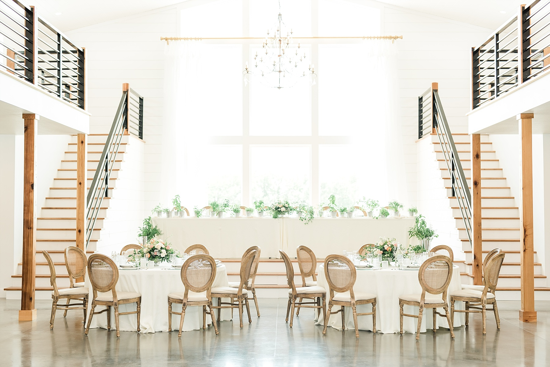 Textural Organic Wedding in All White Venue by Kelsi Kliethermes Wedding Photographer - Missouri, Midwest, and Destinations_0083.jpg