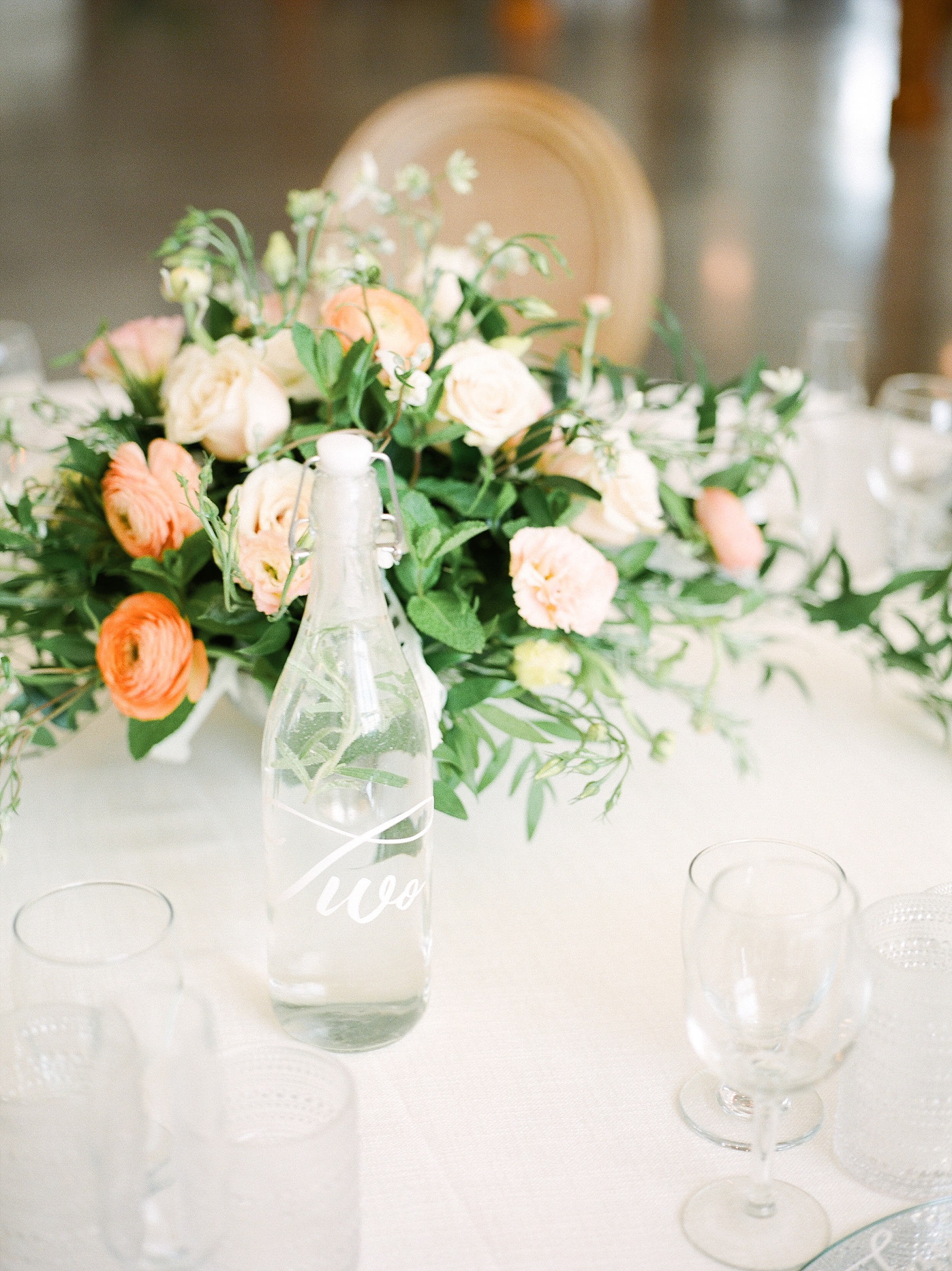 Textural Organic Wedding in All White Venue by Kelsi Kliethermes Wedding Photographer - Missouri, Midwest, and Destinations_0088.jpg