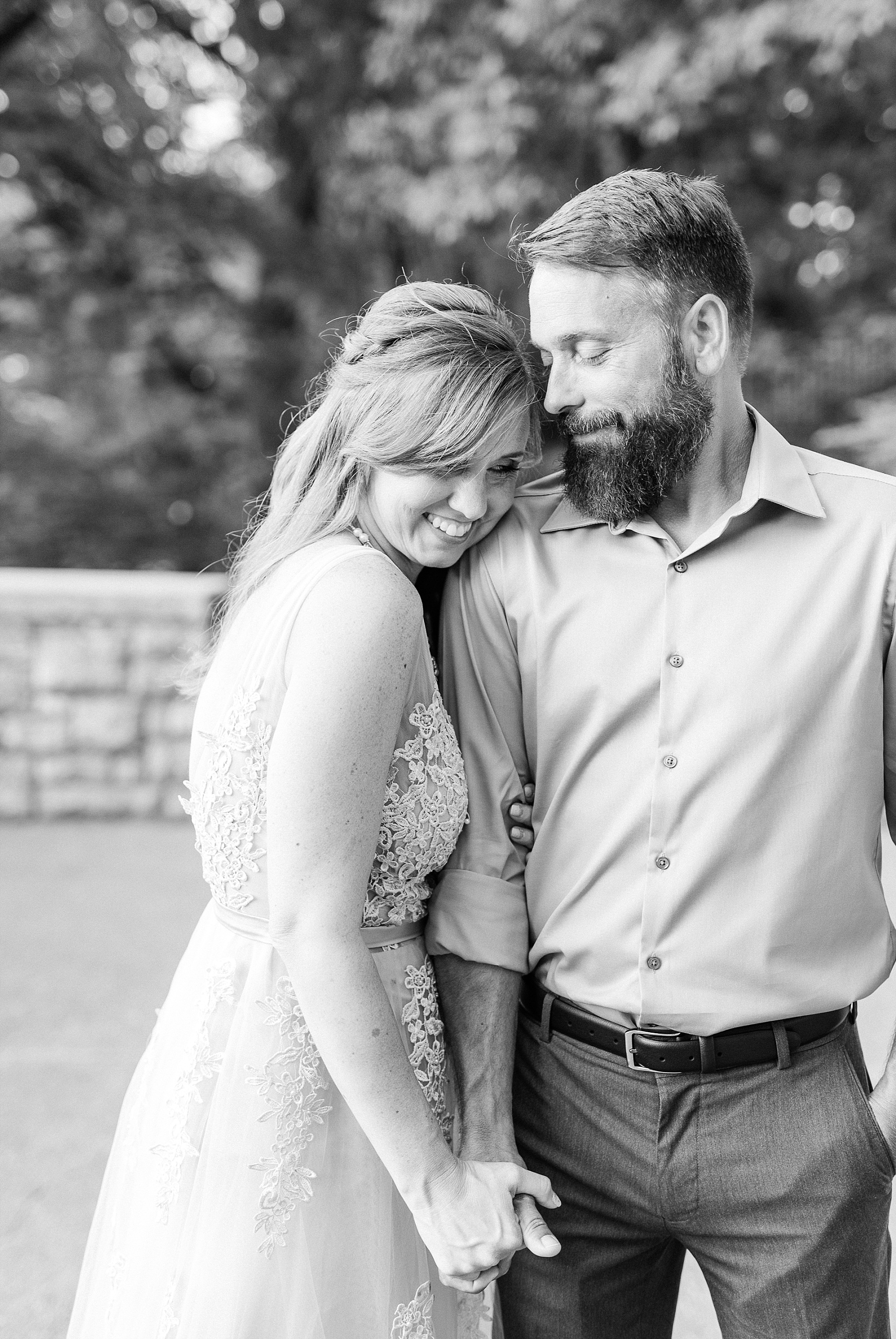 Chuck and Julie 25th Anniversary in Silver at Missouri Governor's Gardens by Kelsi Kliethermes Photography_0009.jpg