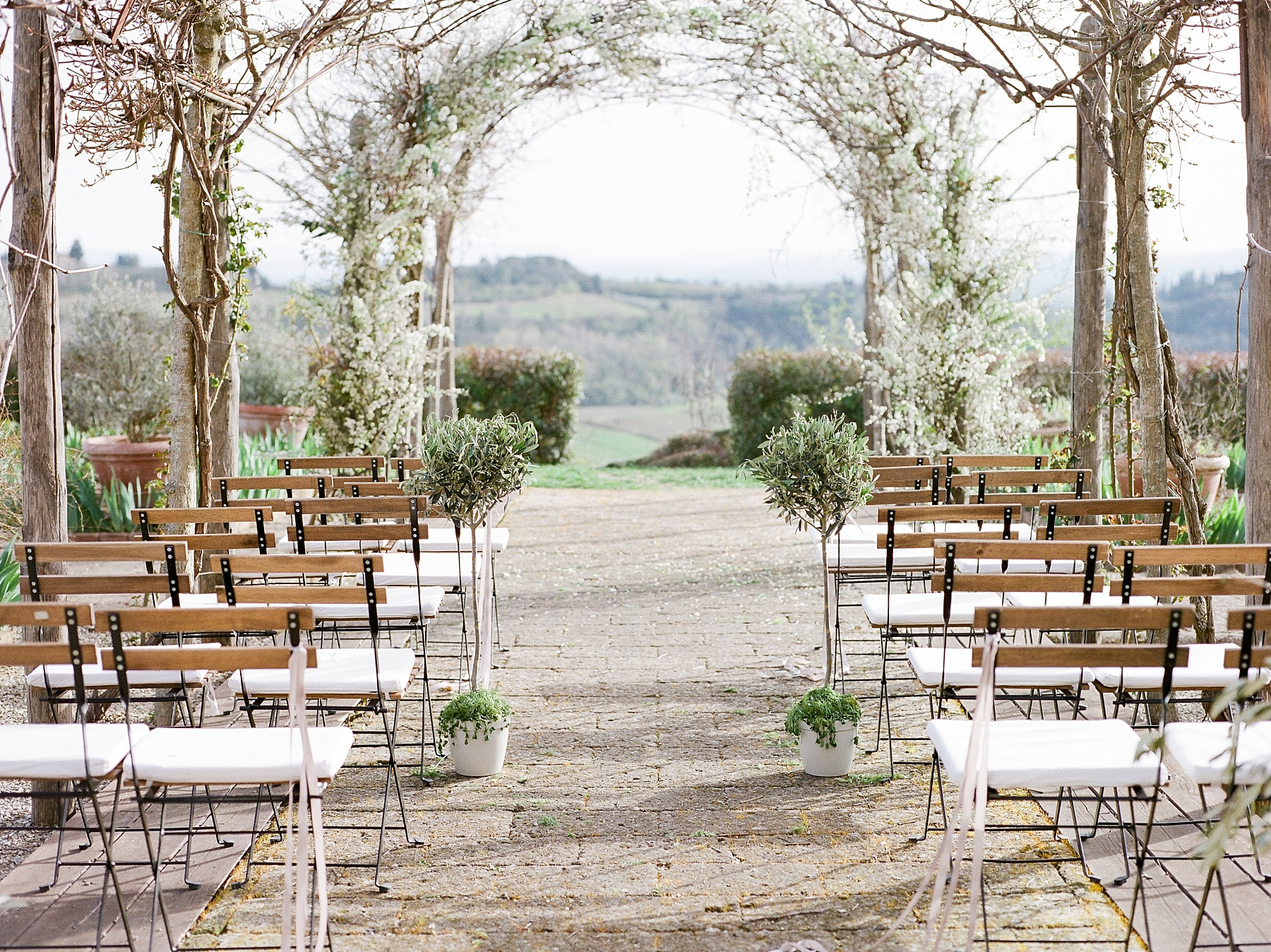 All White Destination Wedding in the Hills of Tuscany Italy at Estate Borgo Petrognano by Kelsi Kliethermes Photography_0015.jpg