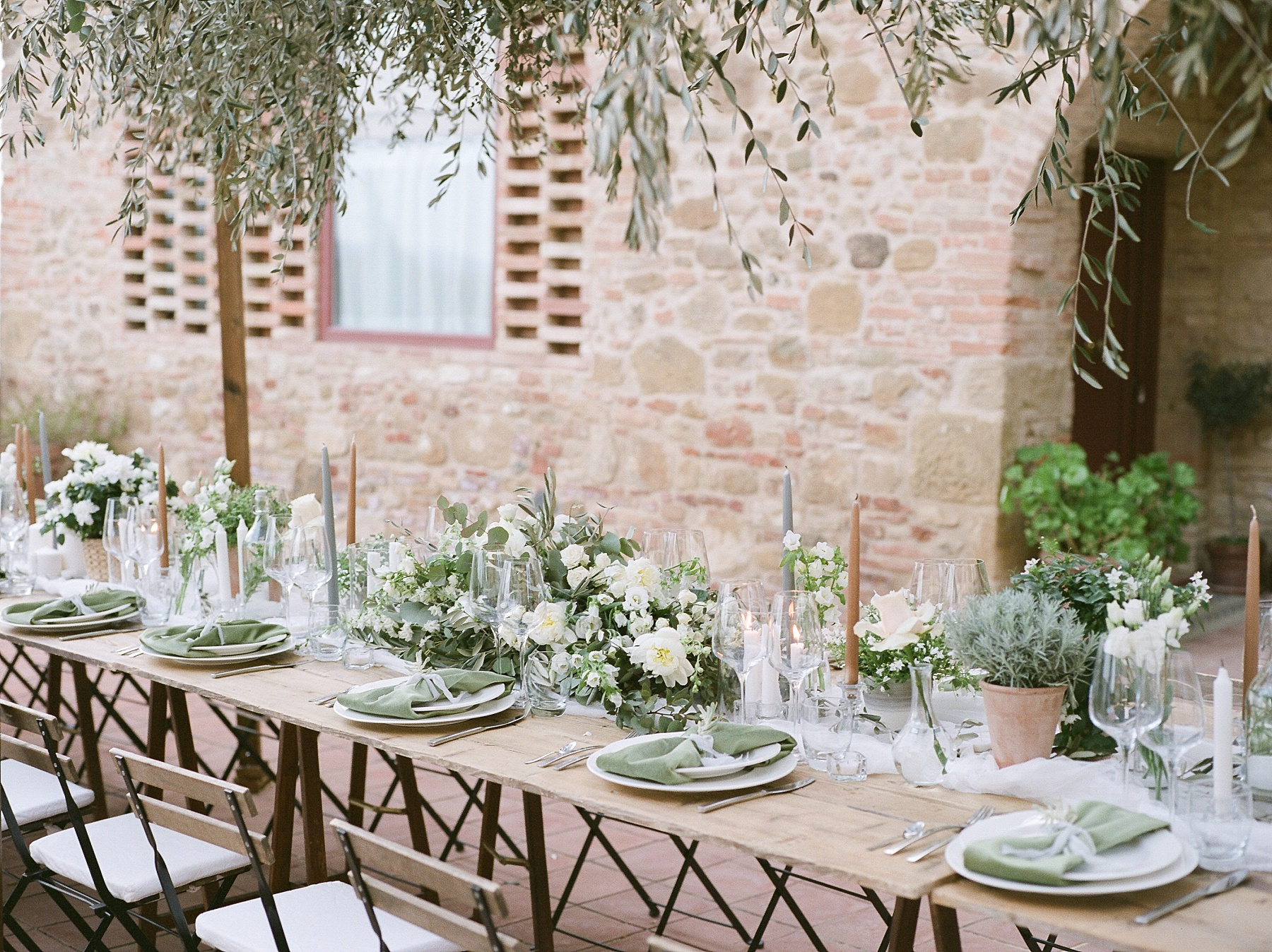 All White Destination Wedding in the Hills of Tuscany Italy at Estate Borgo Petrognano by Kelsi Kliethermes Photography_0024.jpg