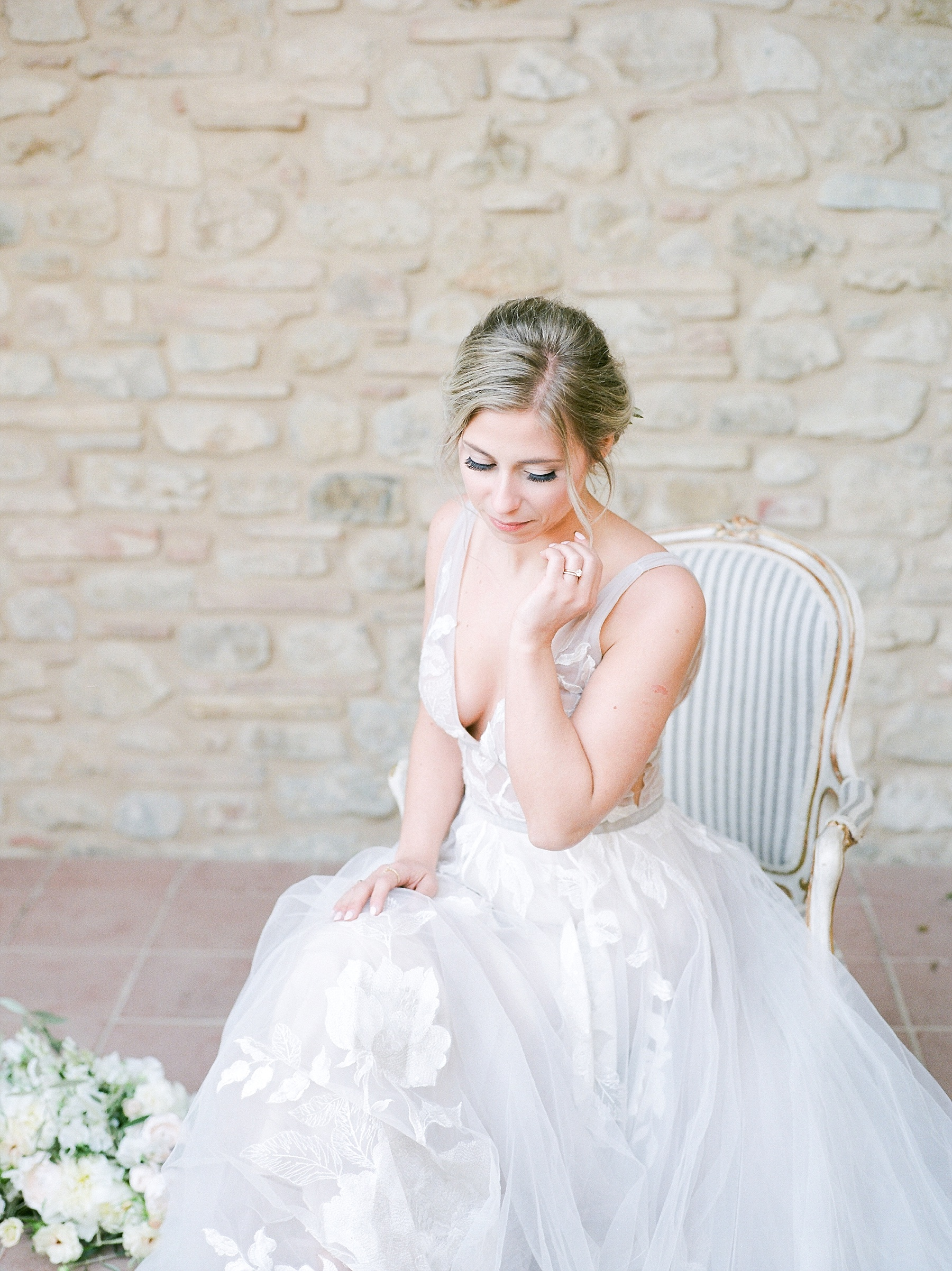 All White Destination Wedding in the Hills of Tuscany Italy at Estate Borgo Petrognano by Kelsi Kliethermes Photography_0040.jpg