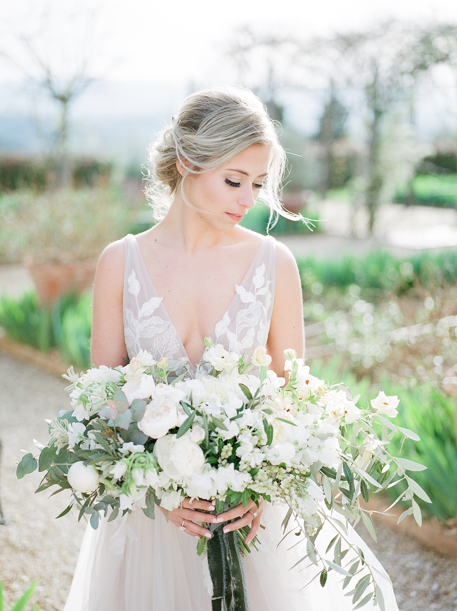 All White Destination Wedding in the Hills of Tuscany Italy at Estate Borgo Petrognano by Kelsi Kliethermes Photography_0044.jpg
