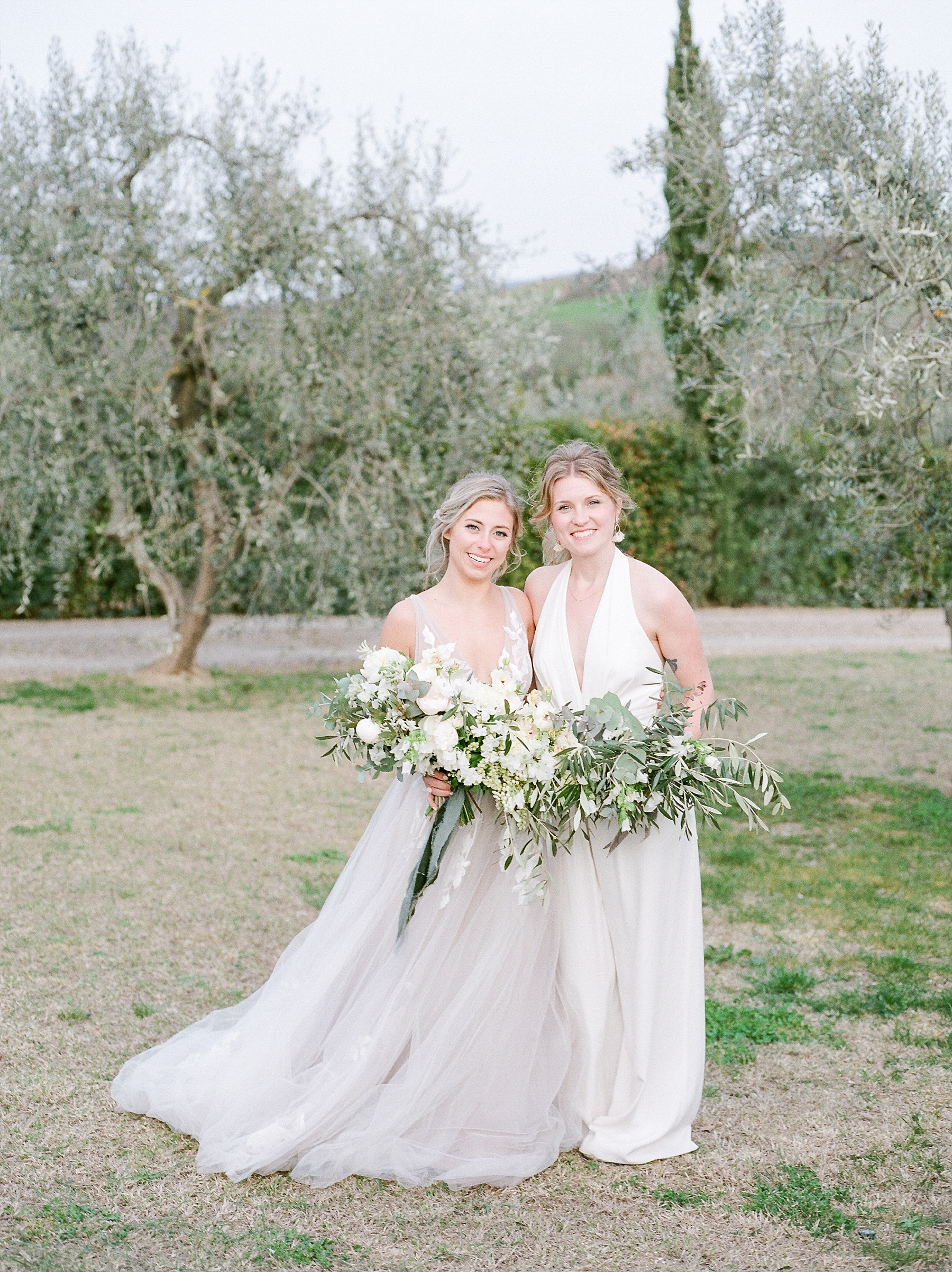 All White Destination Wedding in the Hills of Tuscany Italy at Estate Borgo Petrognano by Kelsi Kliethermes Photography_0052.jpg