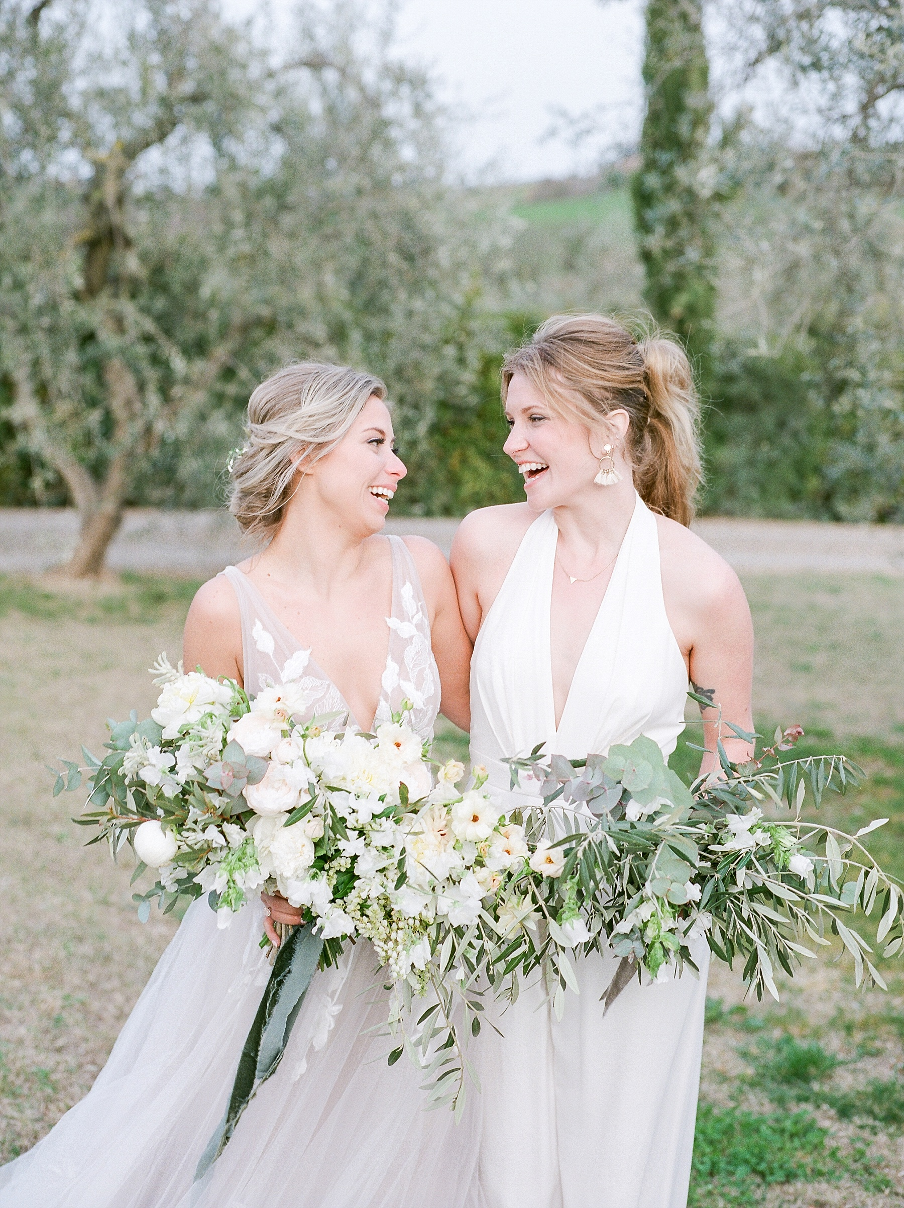 All White Destination Wedding in the Hills of Tuscany Italy at Estate Borgo Petrognano by Kelsi Kliethermes Photography_0053.jpg