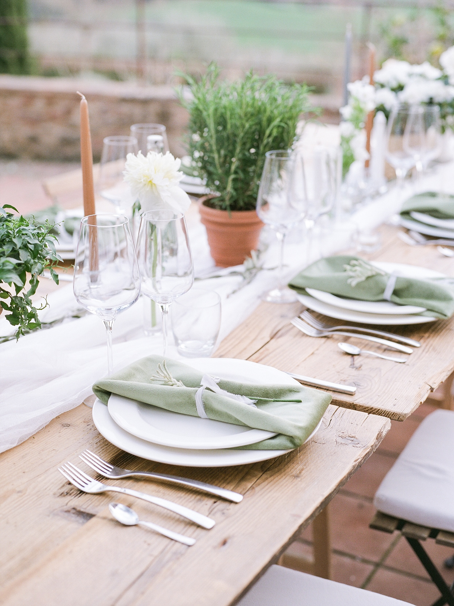 All White Destination Wedding in the Hills of Tuscany Italy at Estate Borgo Petrognano by Kelsi Kliethermes Photography_0070.jpg