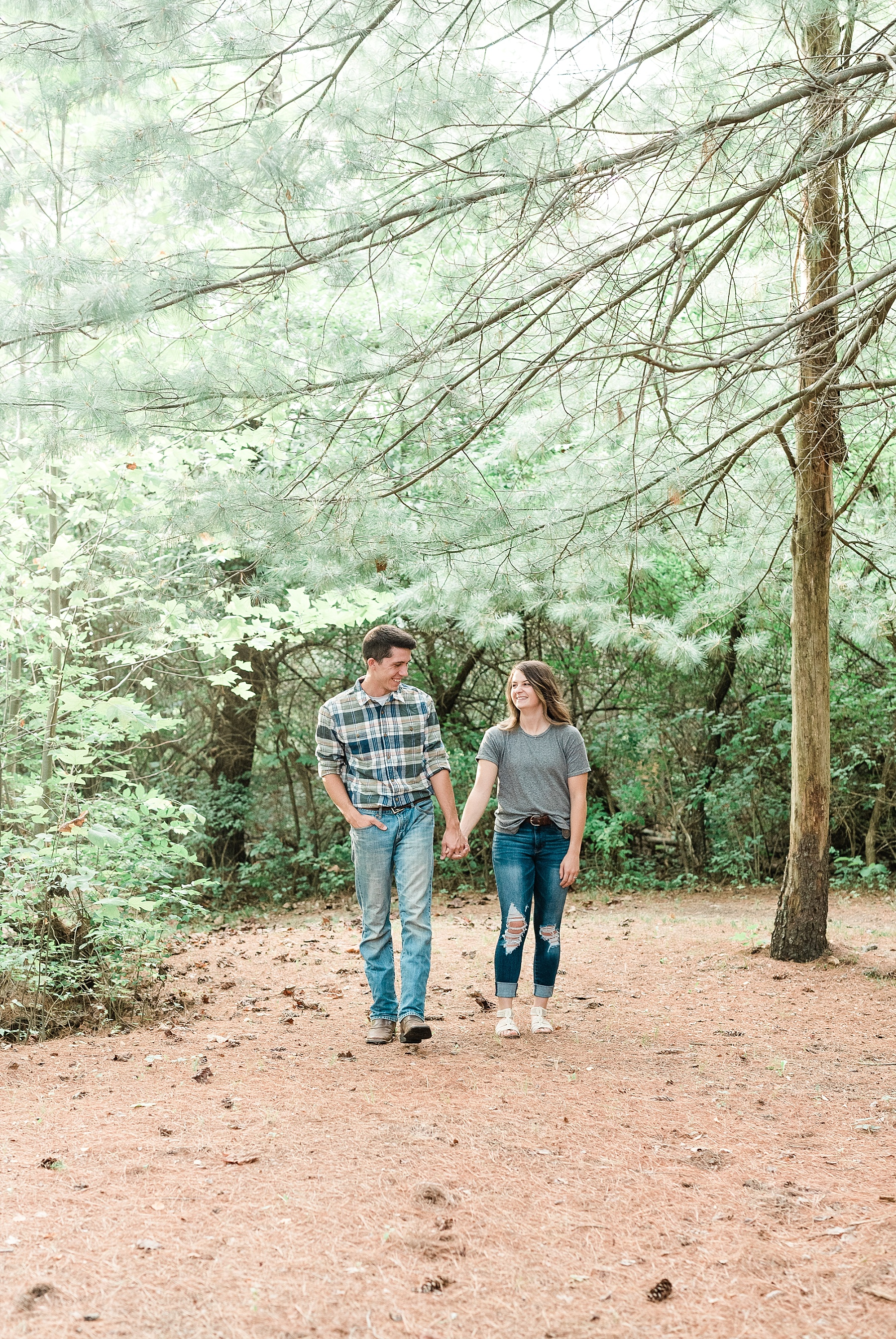 Wanderlust Engagement Session in the Pines with Sunset Canoe Ride in Blue Green Lake in Mid Missouri by Kelsi Kliethermes Photography_0006.jpg