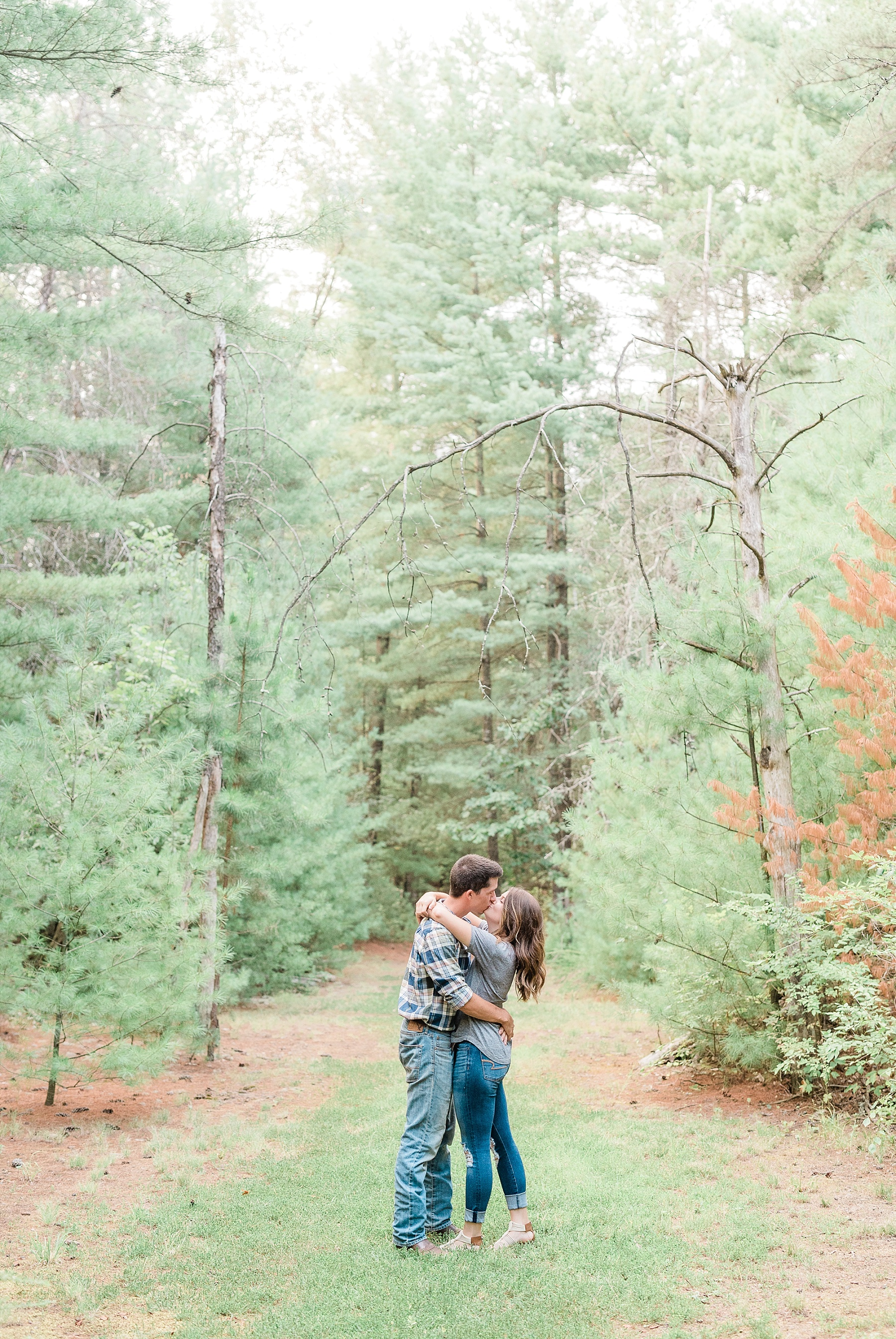Wanderlust Engagement Session in the Pines with Sunset Canoe Ride in Blue Green Lake in Mid Missouri by Kelsi Kliethermes Photography_0008.jpg