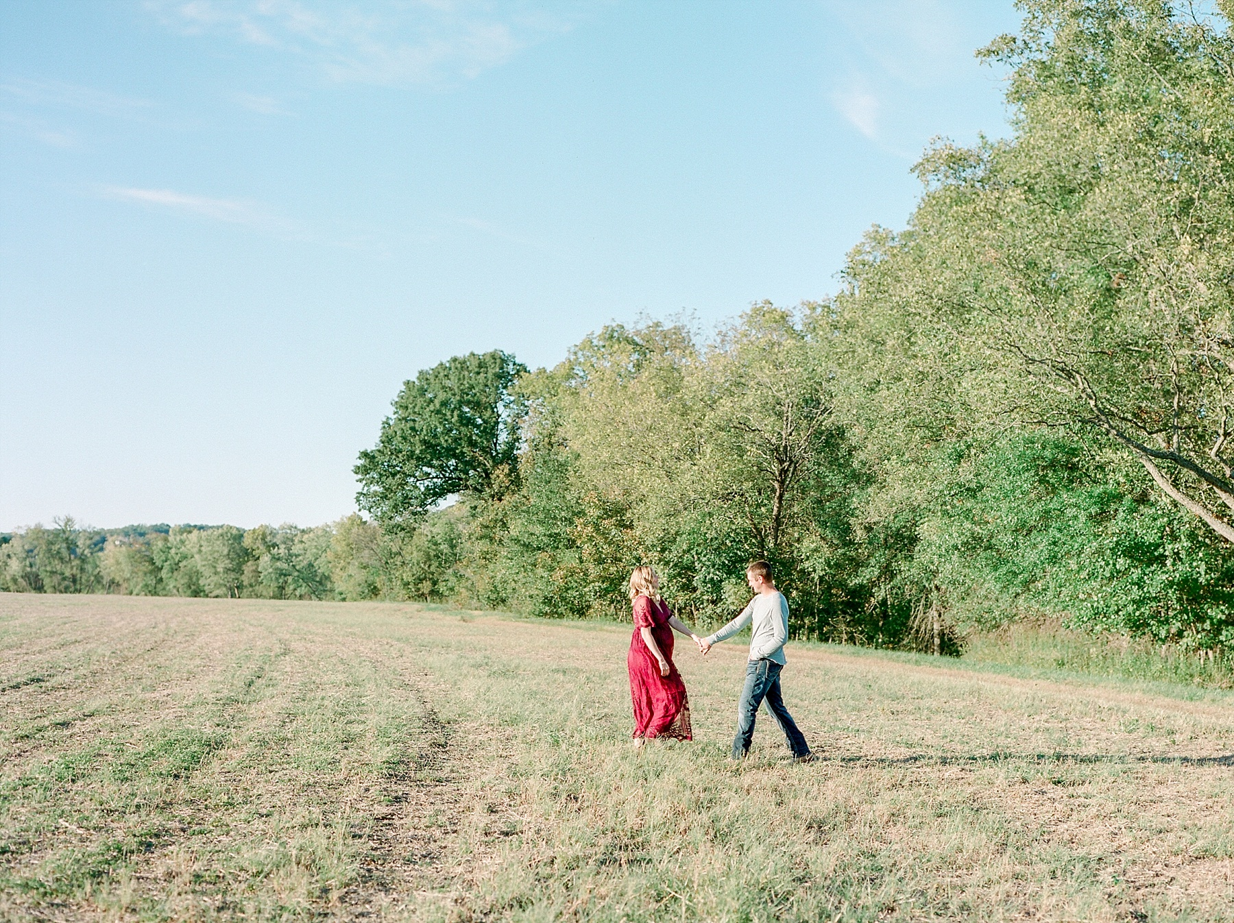 Sunset Maternity Session on Family Farm in Mid Missouri by Kelsi Kliethermes Photography_0004.jpg