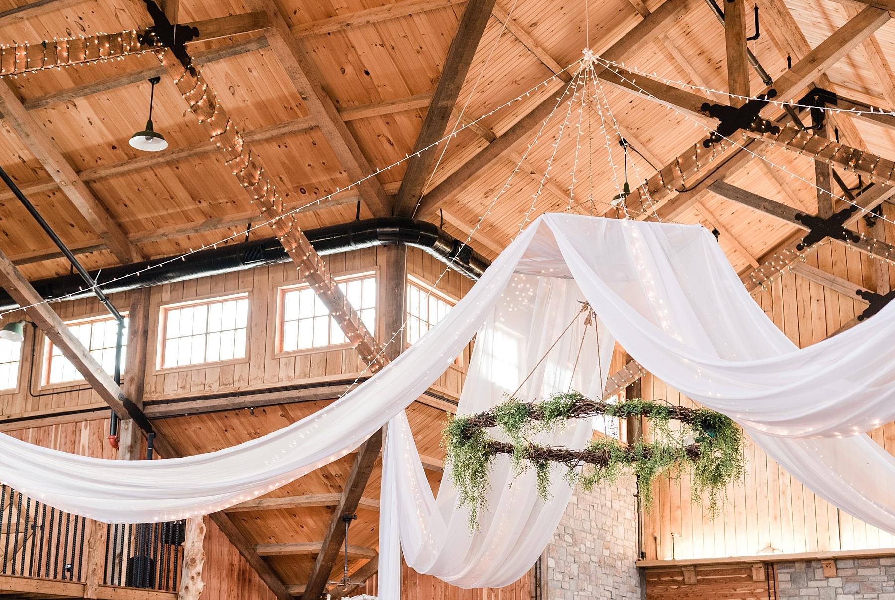 Lakeside Wedding in Fall at Mighty Oak Lodge by Misouri Wedding Photographer Kelsi Kliethermes Photography_0015.jpg
