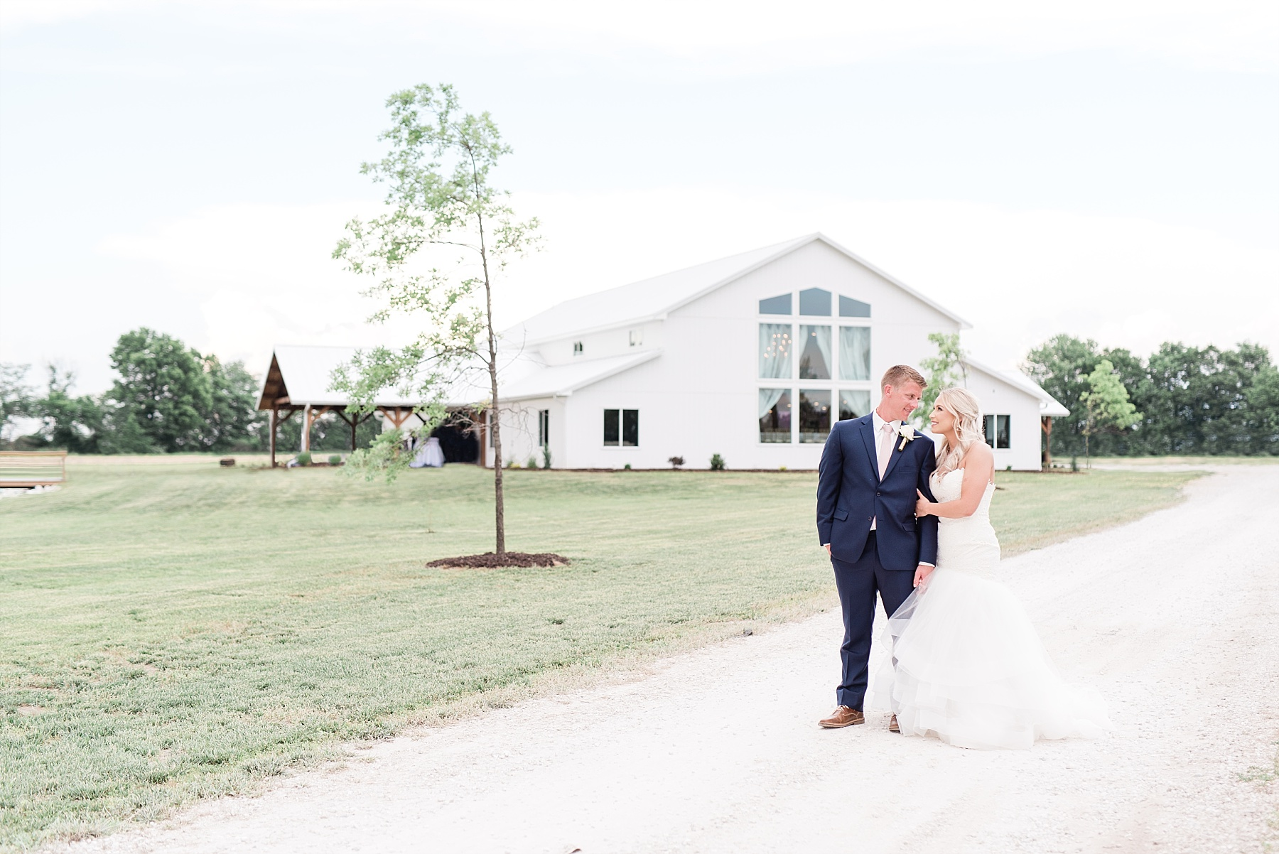 Cody and Mariah Dudenhoeffer Wedding at Emerson Fields Venue by Kelsi Kliethermes Photography_0076.jpg