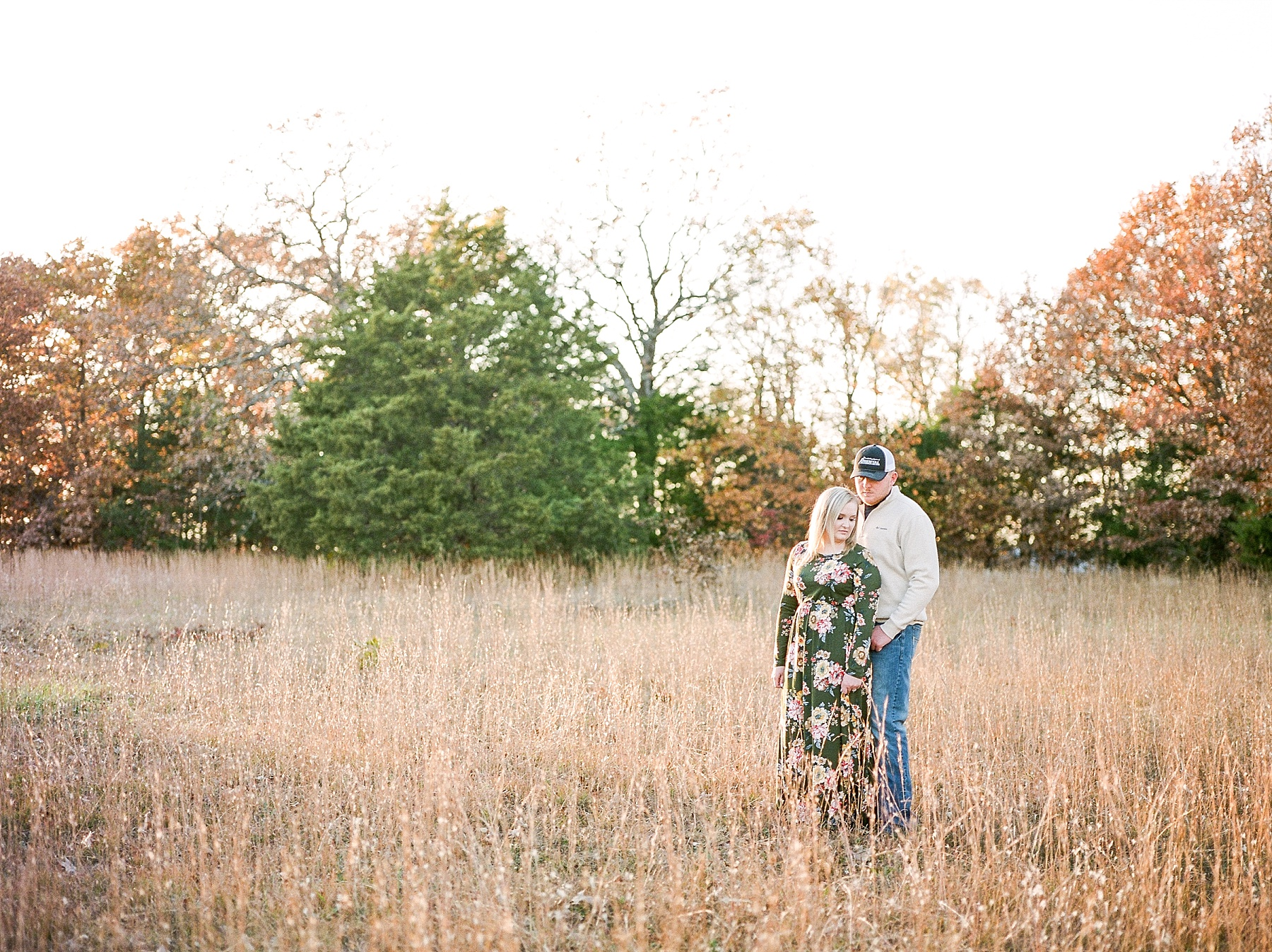 Perfect Sunset Engagement Session in Fall by Kelsi Kliethermes Photography Kansas City Missouri Wedding Photographer_0004.jpg