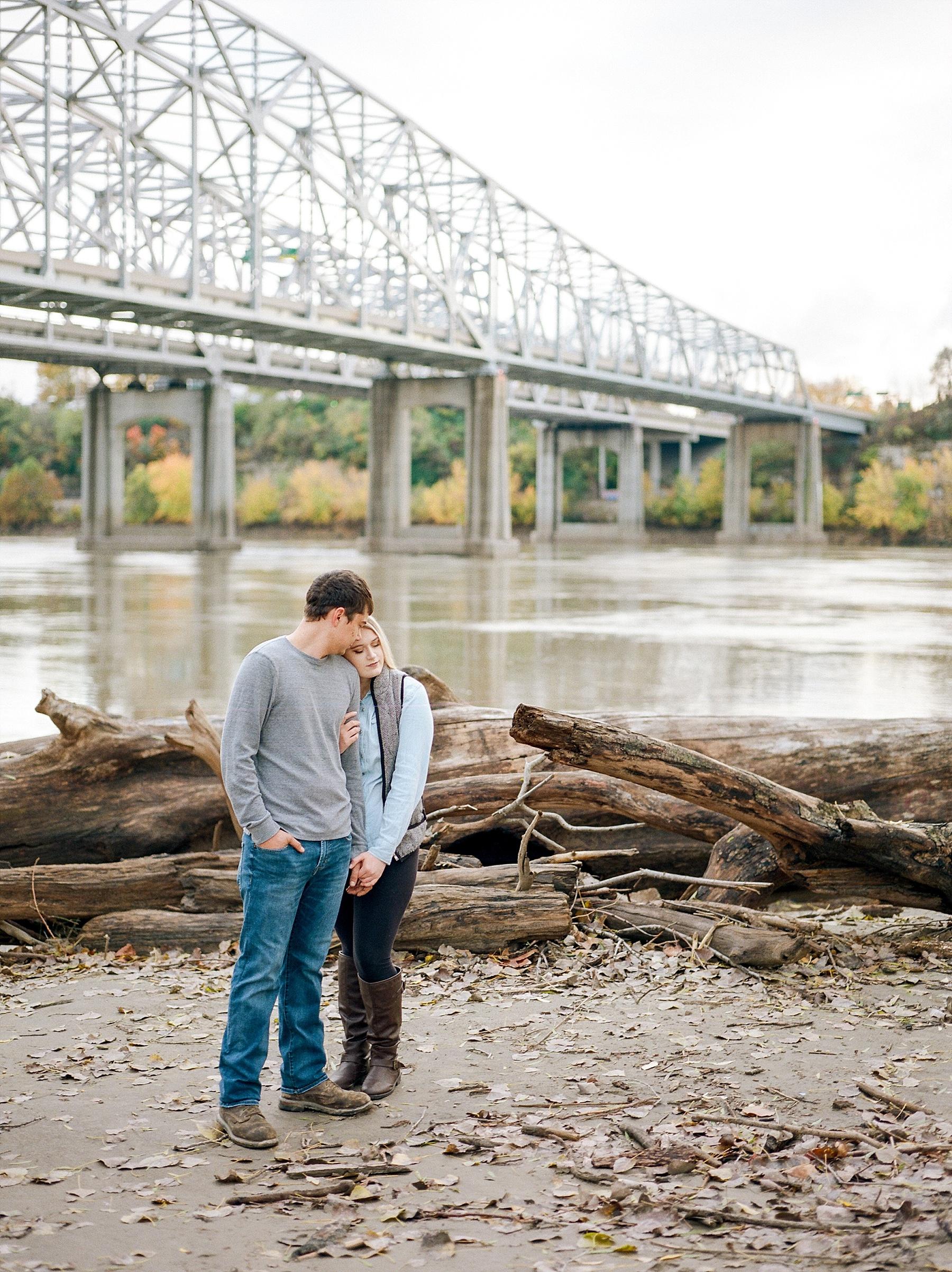 Fall Couples Session on Shore of Missouri River by Kelsi Kliethermes Photography Kansas City Missouri Wedding Photographer_0009.jpg