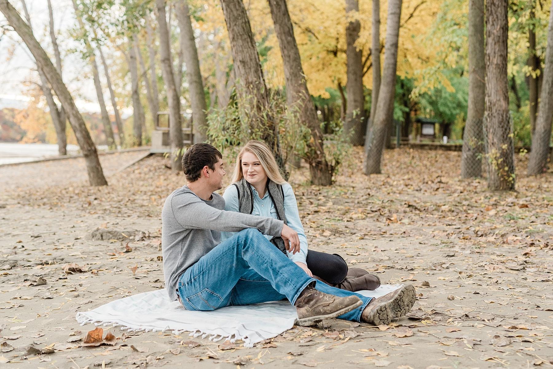 Fall Couples Session on Shore of Missouri River by Kelsi Kliethermes Photography Kansas City Missouri Wedding Photographer_0004.jpg