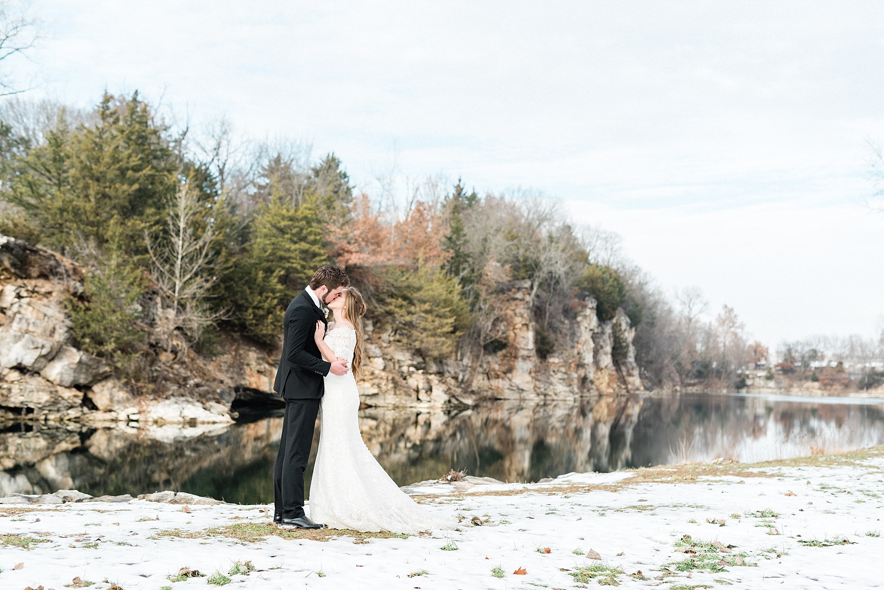 Snowy Winter Wedding at Wildcliff Events Lake With Earthy Jewel Tones and Organic Refined Style by Kelsi Kliethermes Photography Kansas City Missouri Wedding Photographer_0006.jpg