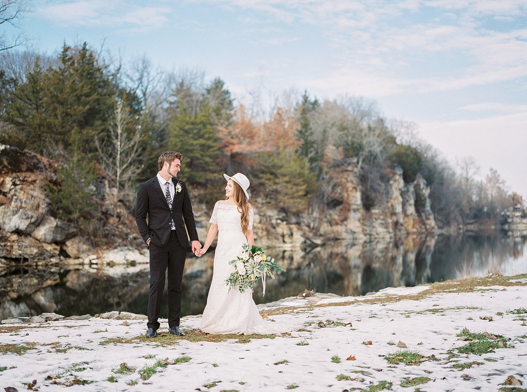Snowy Winter Wedding at Wildcliff Events Lake With Earthy Jewel Tones and Organic Refined Style by Kelsi Kliethermes Photography Kansas City Missouri Wedding Photographer_0004.jpg