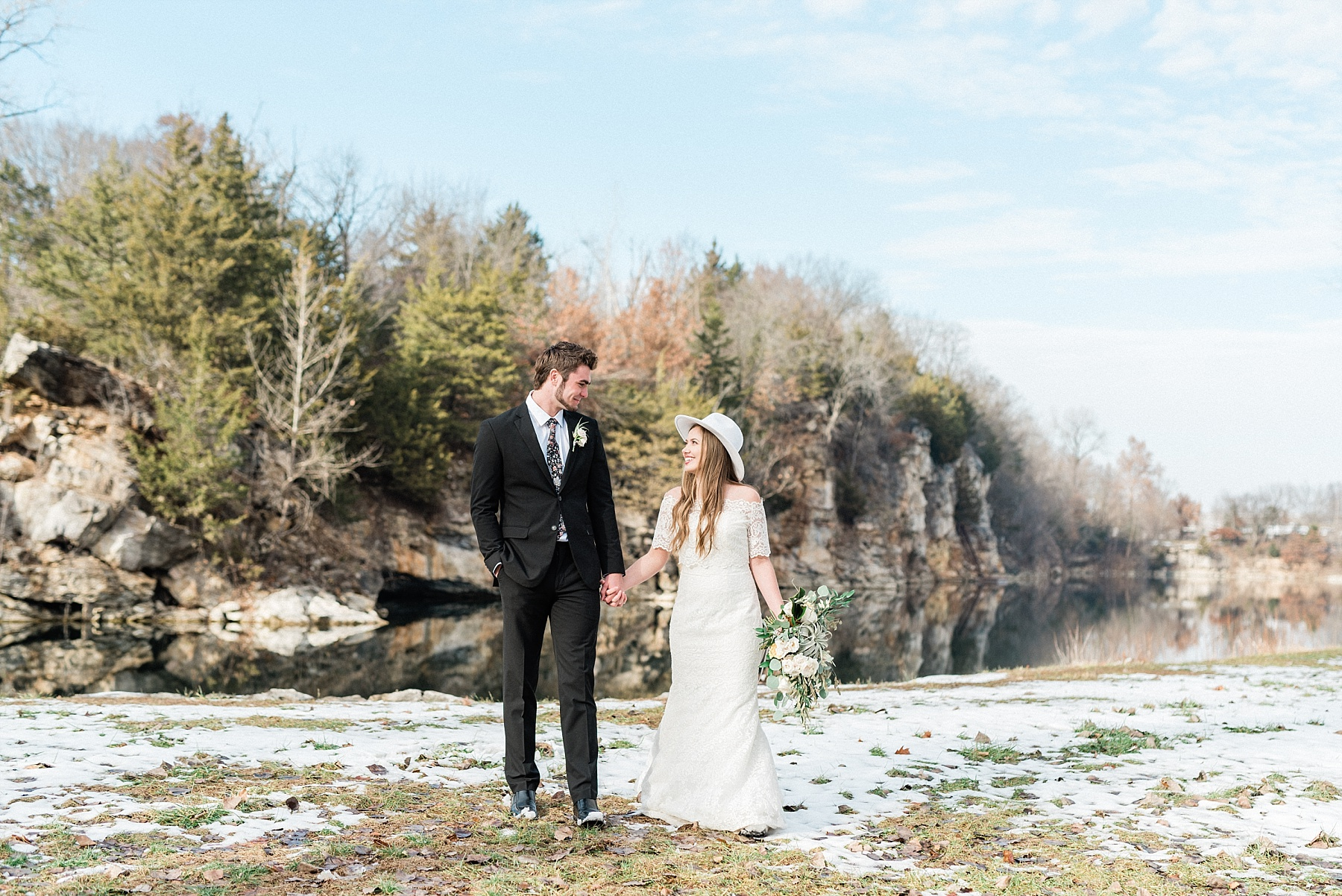 Snowy Winter Wedding at Wildcliff Events Lake With Earthy Jewel Tones and Organic Refined Style by Kelsi Kliethermes Photography Kansas City Missouri Wedding Photographer_0007.jpg