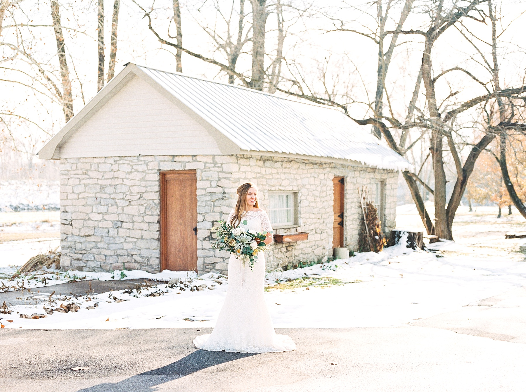 Snowy Winter Wedding at Wildcliff Events Lake With Earthy Jewel Tones and Organic Refined Style by Kelsi Kliethermes Photography Kansas City Missouri Wedding Photographer_0039.jpg