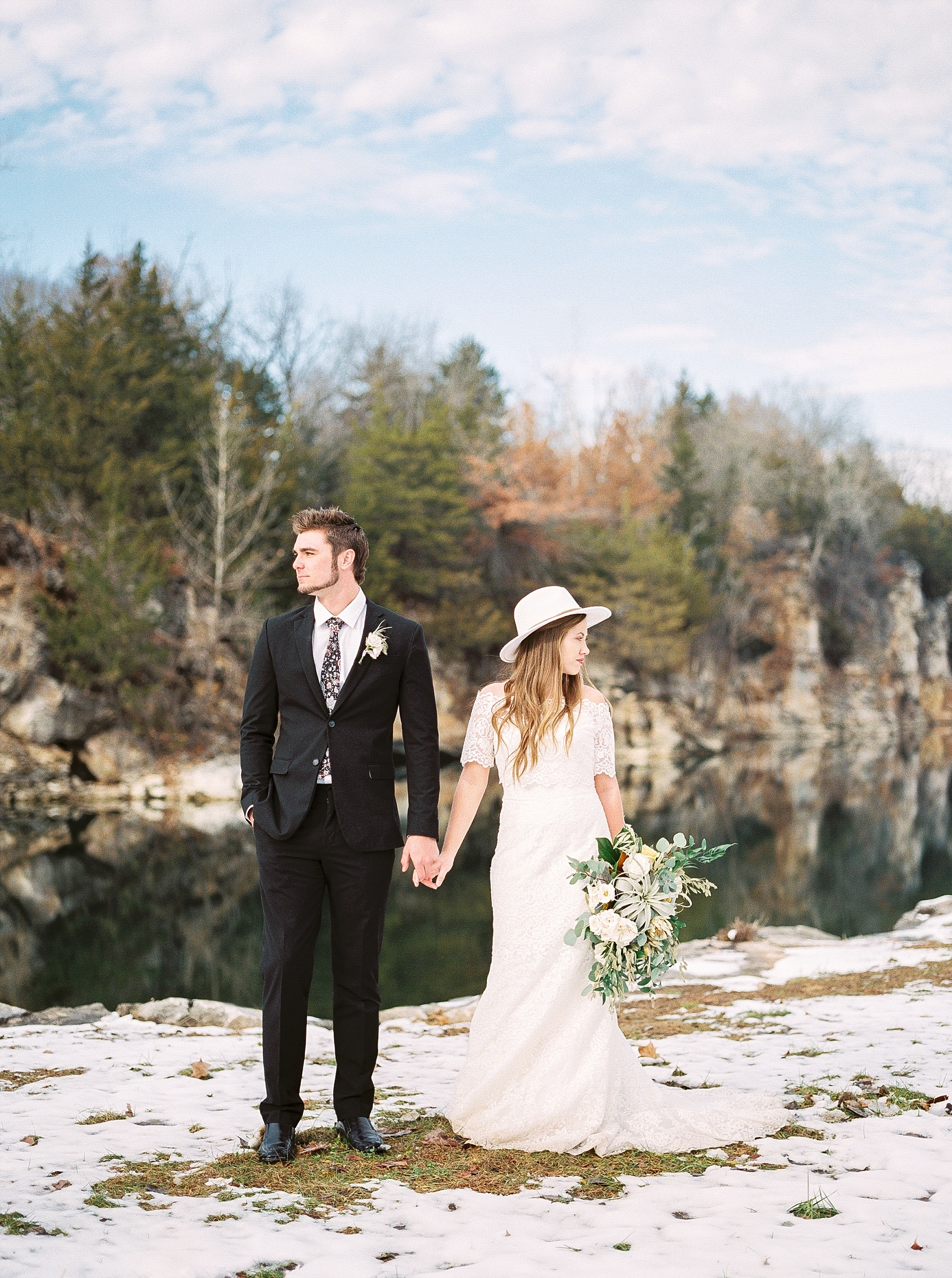 Snowy Winter Wedding at Wildcliff Events Lake With Earthy Jewel Tones and Organic Refined Style by Kelsi Kliethermes Photography Kansas City Missouri Wedding Photographer_0107.jpg