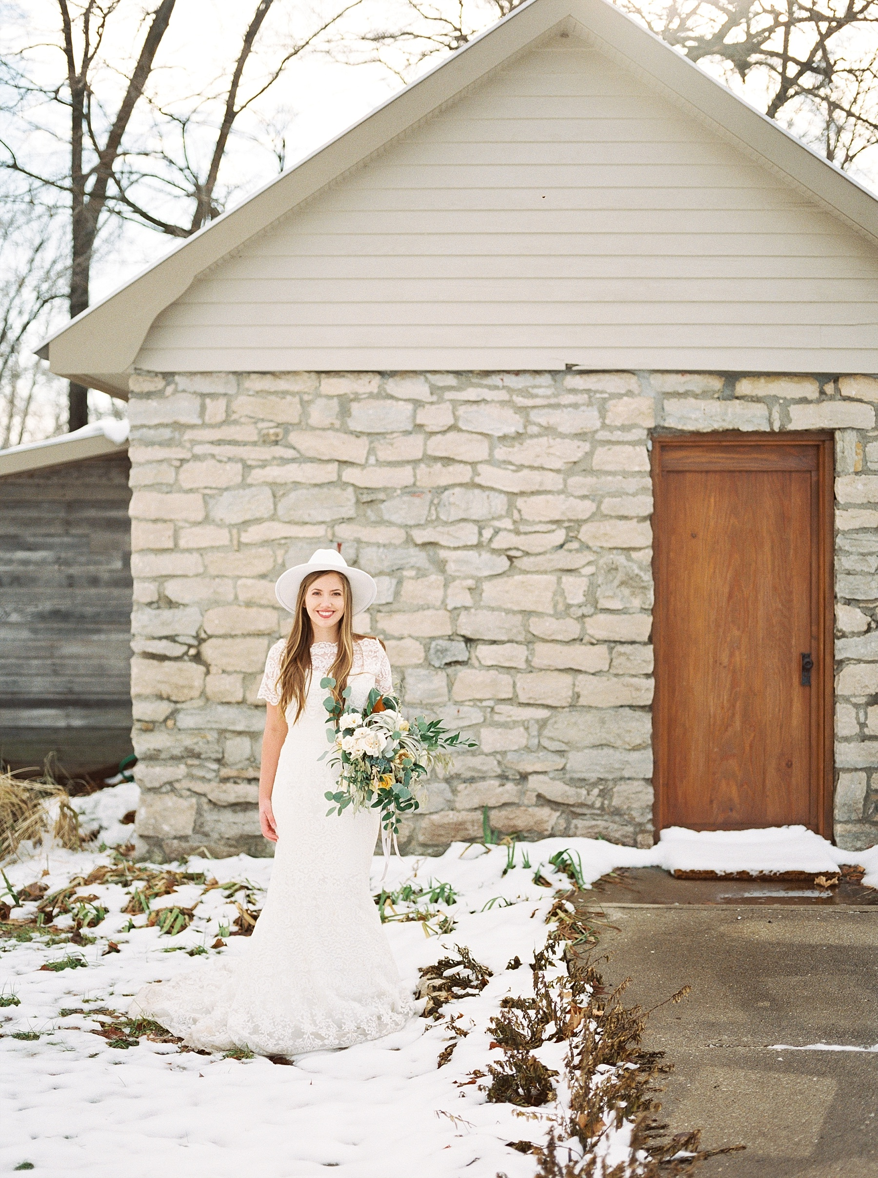 Snowy Winter Wedding at Wildcliff Events Lake With Earthy Jewel Tones and Organic Refined Style by Kelsi Kliethermes Photography Kansas City Missouri Wedding Photographer_0128.jpg