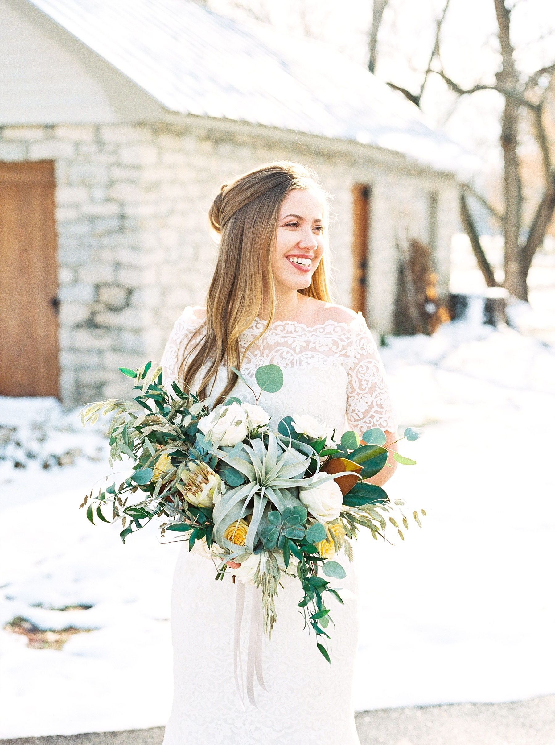 Snowy Winter Wedding at Wildcliff Events Lake With Earthy Jewel Tones and Organic Refined Style by Kelsi Kliethermes Photography Kansas City Missouri Wedding Photographer_0141.jpg
