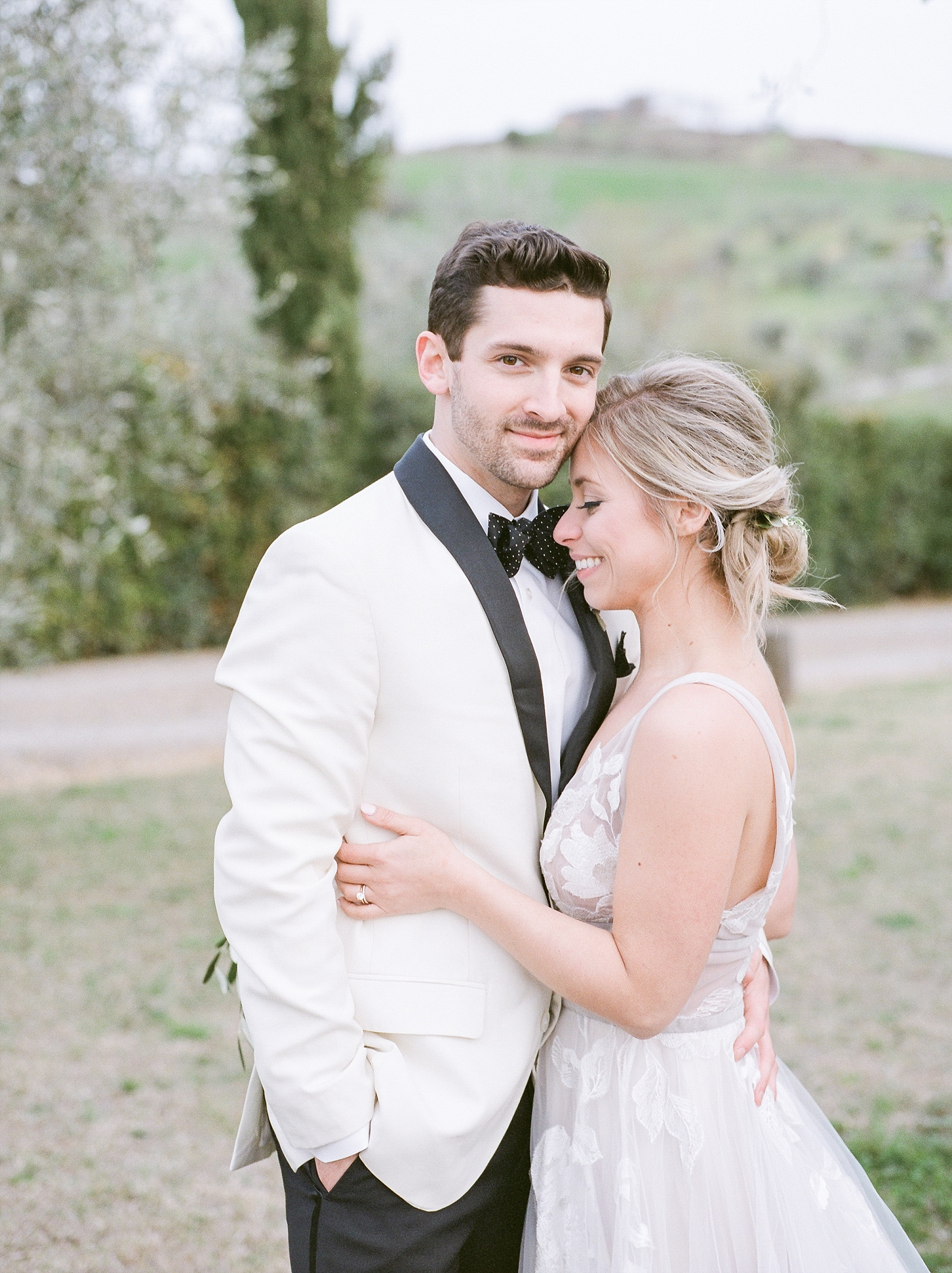 All White Destination Wedding in the Hills of Tuscany Italy at Estate Borgo Petrognano by Kelsi Kliethermes Photography_0062.jpg