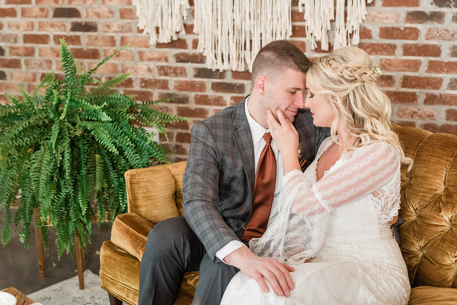 Eclectic Scandinavian Winter Wedding in All White Venue Emerson Fields by Kelsi Kliethermes Photography Best Missouri and Maui Wedding Photographer_0018.jpg