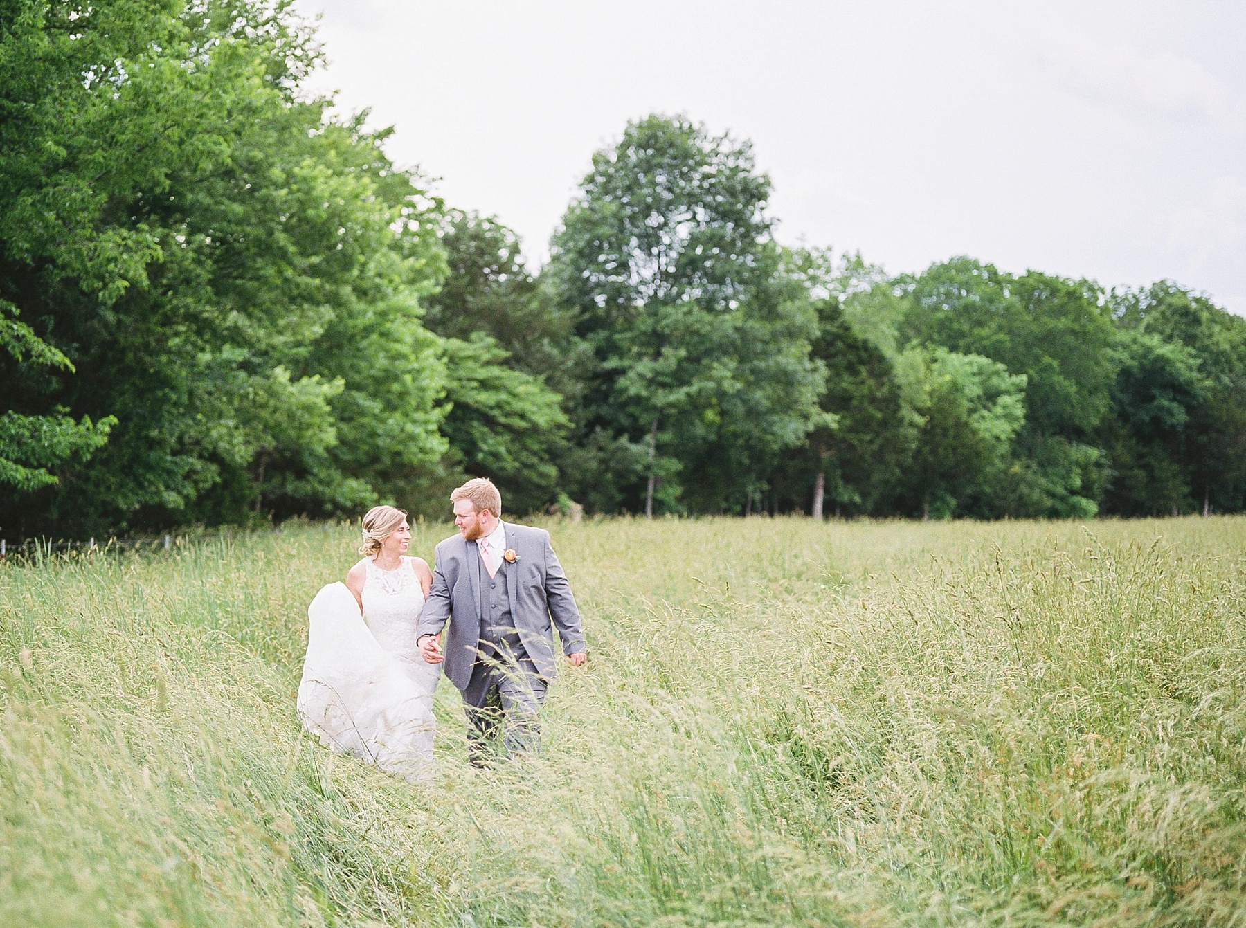 Peach and Dusty Blue Spring Wedding in Rolling Hills of Mid Missouri by Kelsi Kliethermes Photography Best Missouri and Maui Wedding Photographer_0019.jpg