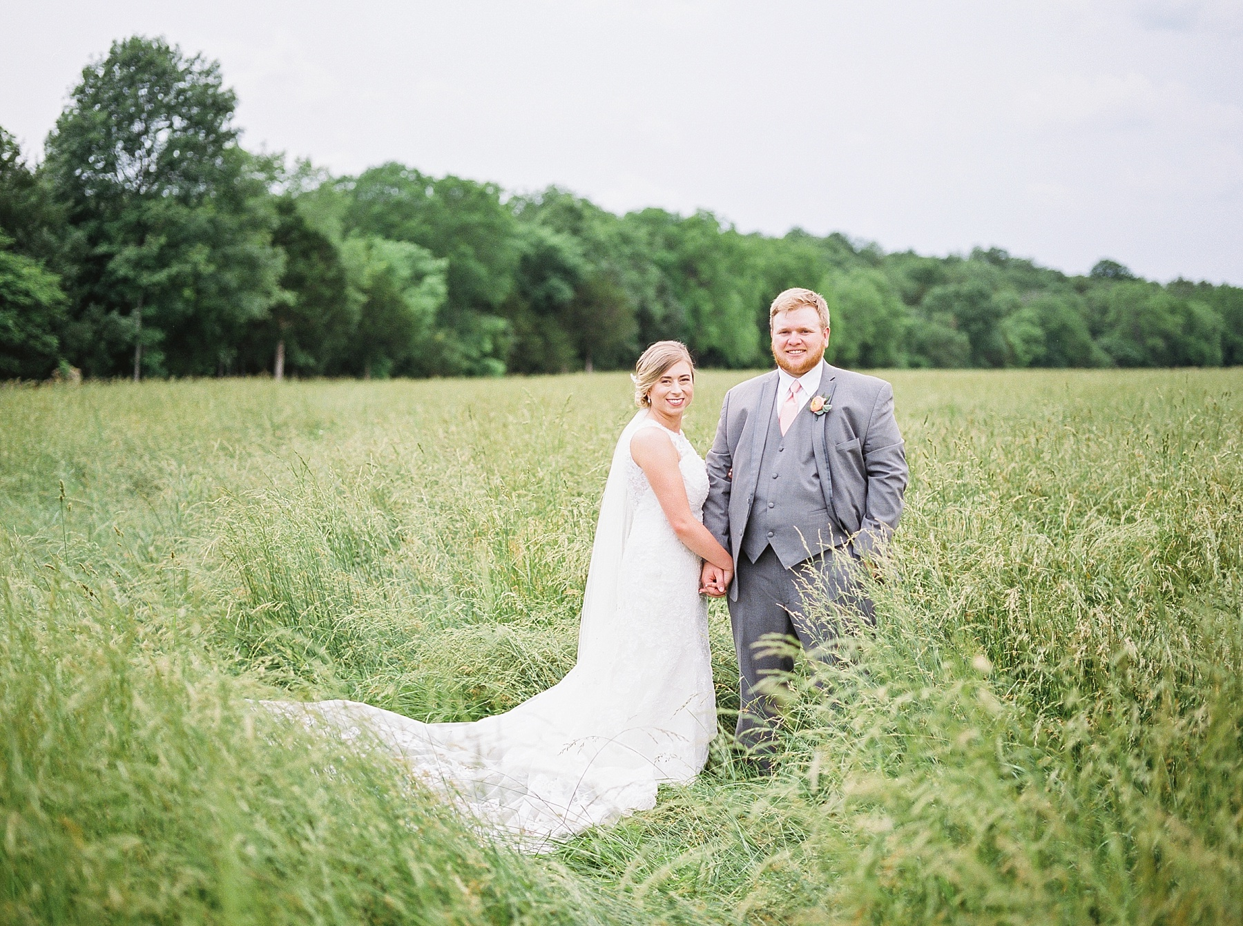 Peach and Dusty Blue Spring Wedding in Rolling Hills of Mid Missouri by Kelsi Kliethermes Photography Best Missouri and Maui Wedding Photographer_0021.jpg