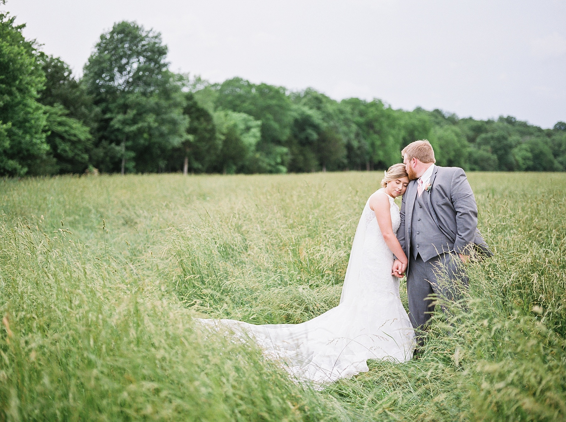 Peach and Dusty Blue Spring Wedding in Rolling Hills of Mid Missouri by Kelsi Kliethermes Photography Best Missouri and Maui Wedding Photographer_0022.jpg