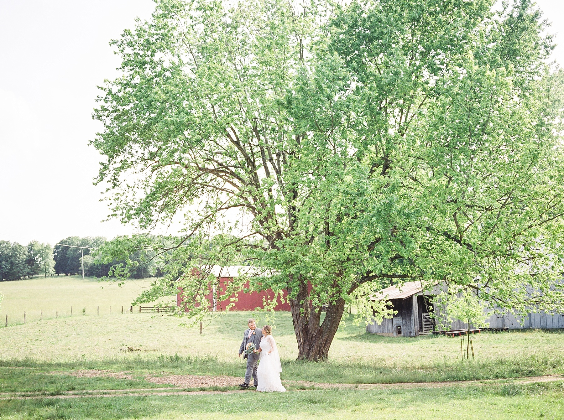 Peach and Dusty Blue Spring Wedding in Rolling Hills of Mid Missouri by Kelsi Kliethermes Photography Best Missouri and Maui Wedding Photographer_0026.jpg