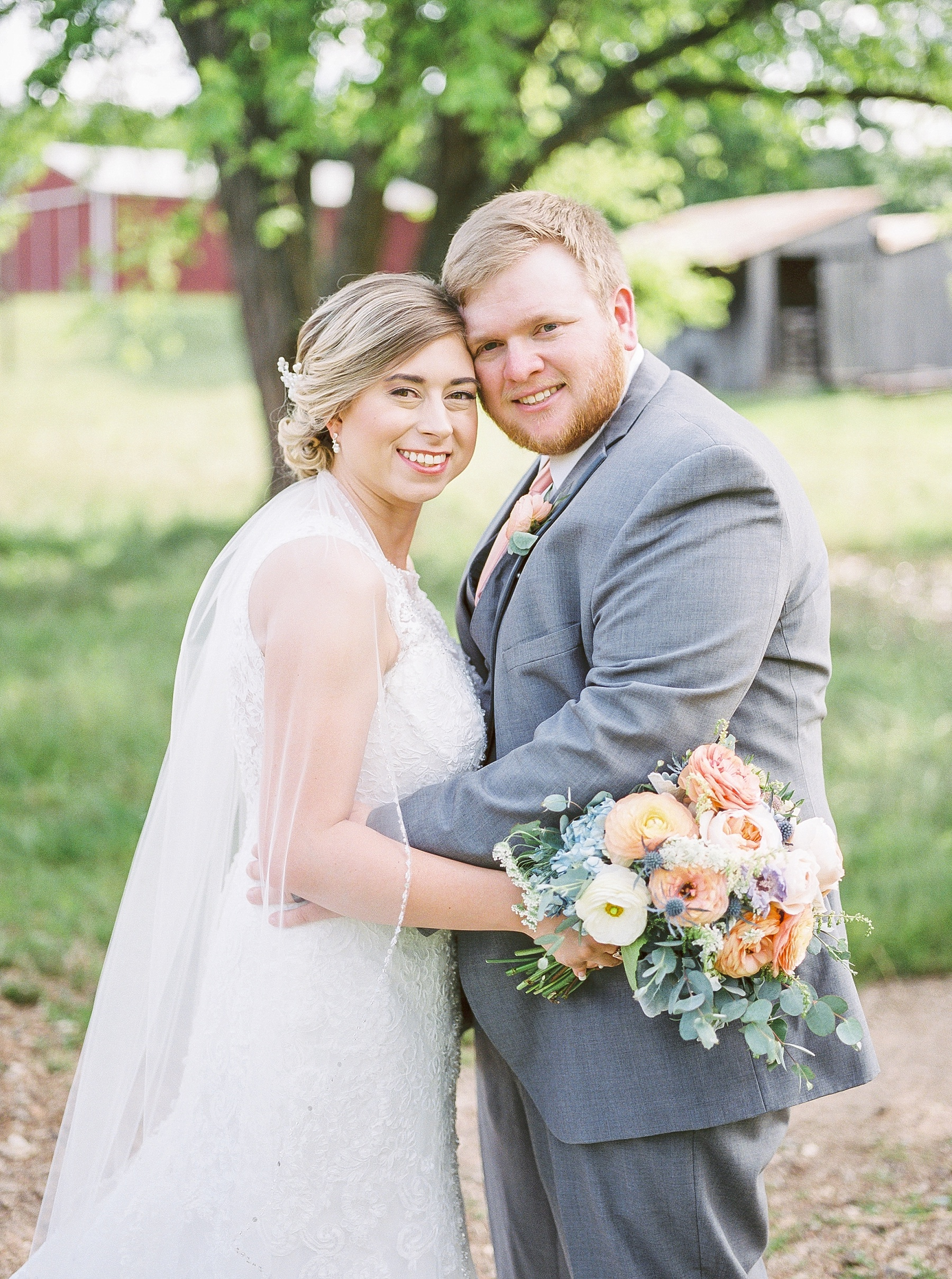 Peach and Dusty Blue Spring Wedding in Rolling Hills of Mid Missouri by Kelsi Kliethermes Photography Best Missouri and Maui Wedding Photographer_0048.jpg