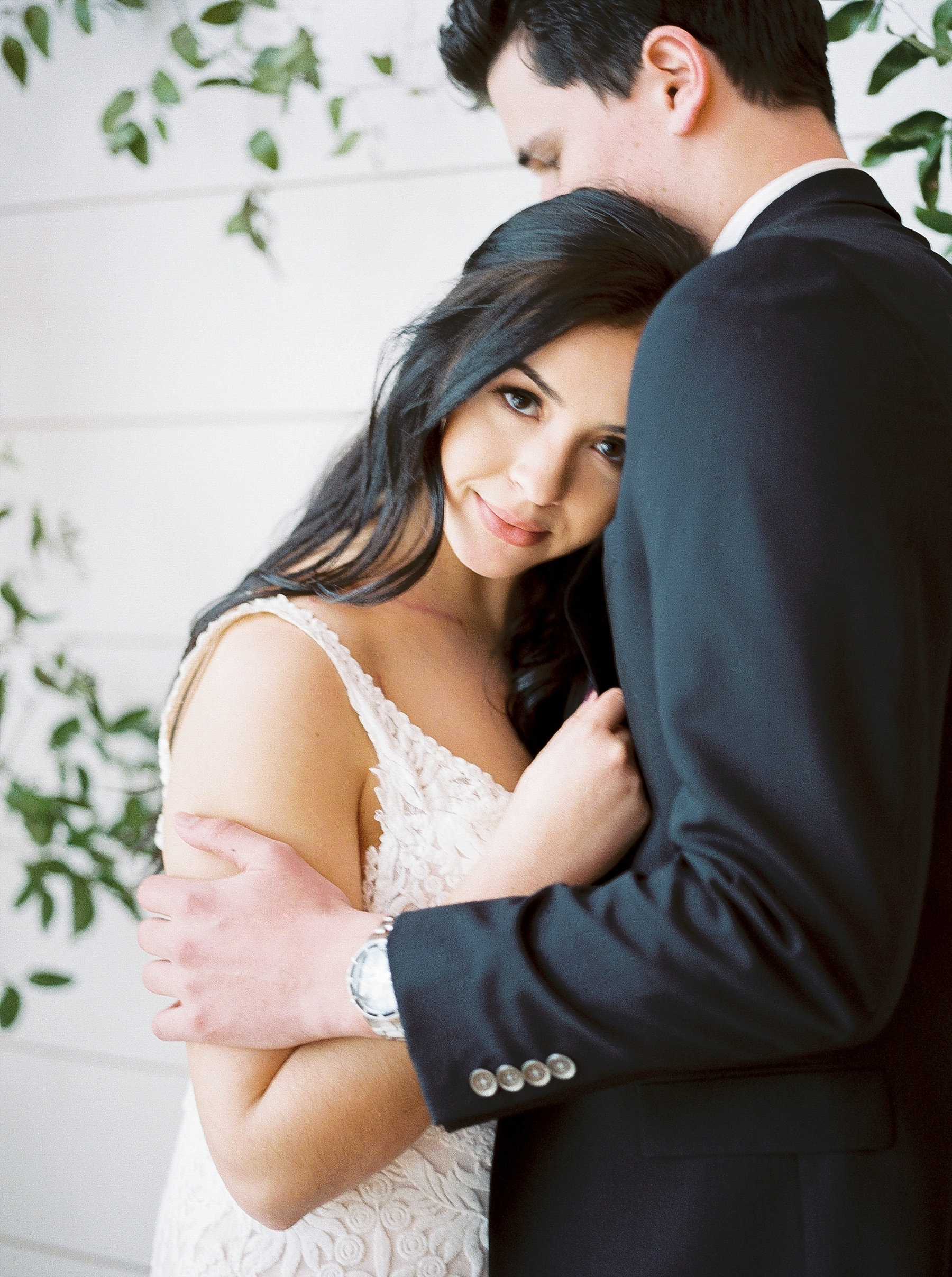 Intimate Lakeside Elopement at Emerson Fields All White Wedding Venue by Kelsi Kliethermes Photography Best Missouri and Maui Wedding Photographer_0007.jpg
