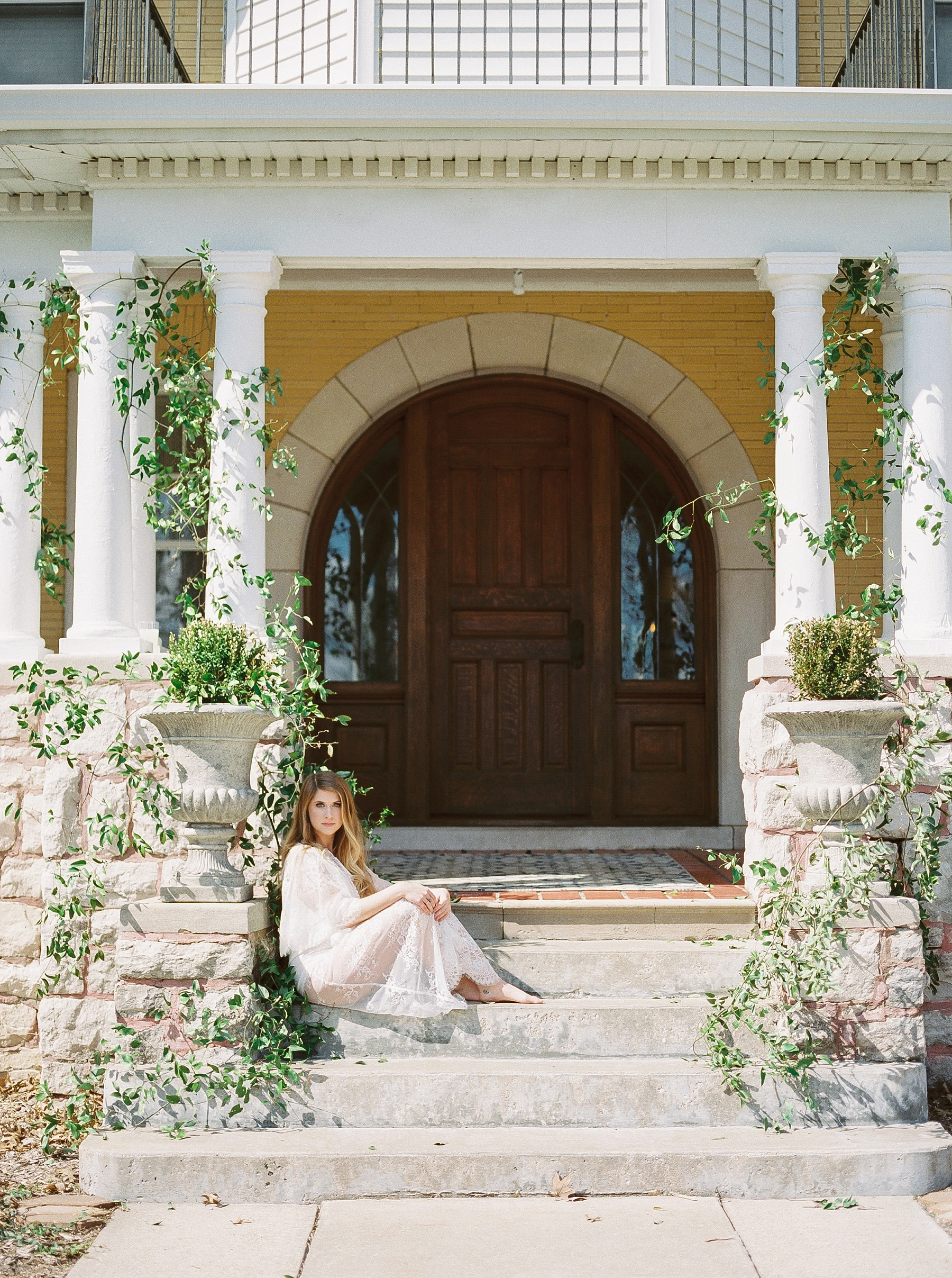 Natural, Intimate, and Organic Bridal Session on Steps of Century Old Bed and Breakfast by Kelsi Kliethermes Photography Best Missouri and Maui Wedding Photographer_0013.jpg